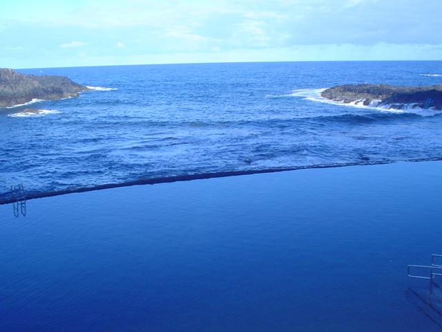 File piscina natural en el pris tenerife jpg wikimedia for Piscina natural tenerife