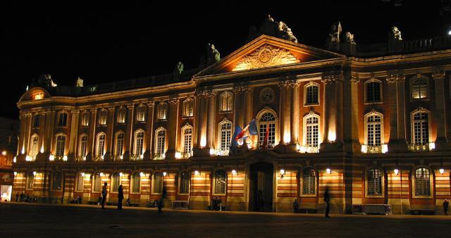 Soubor:Place du capitol.jpg