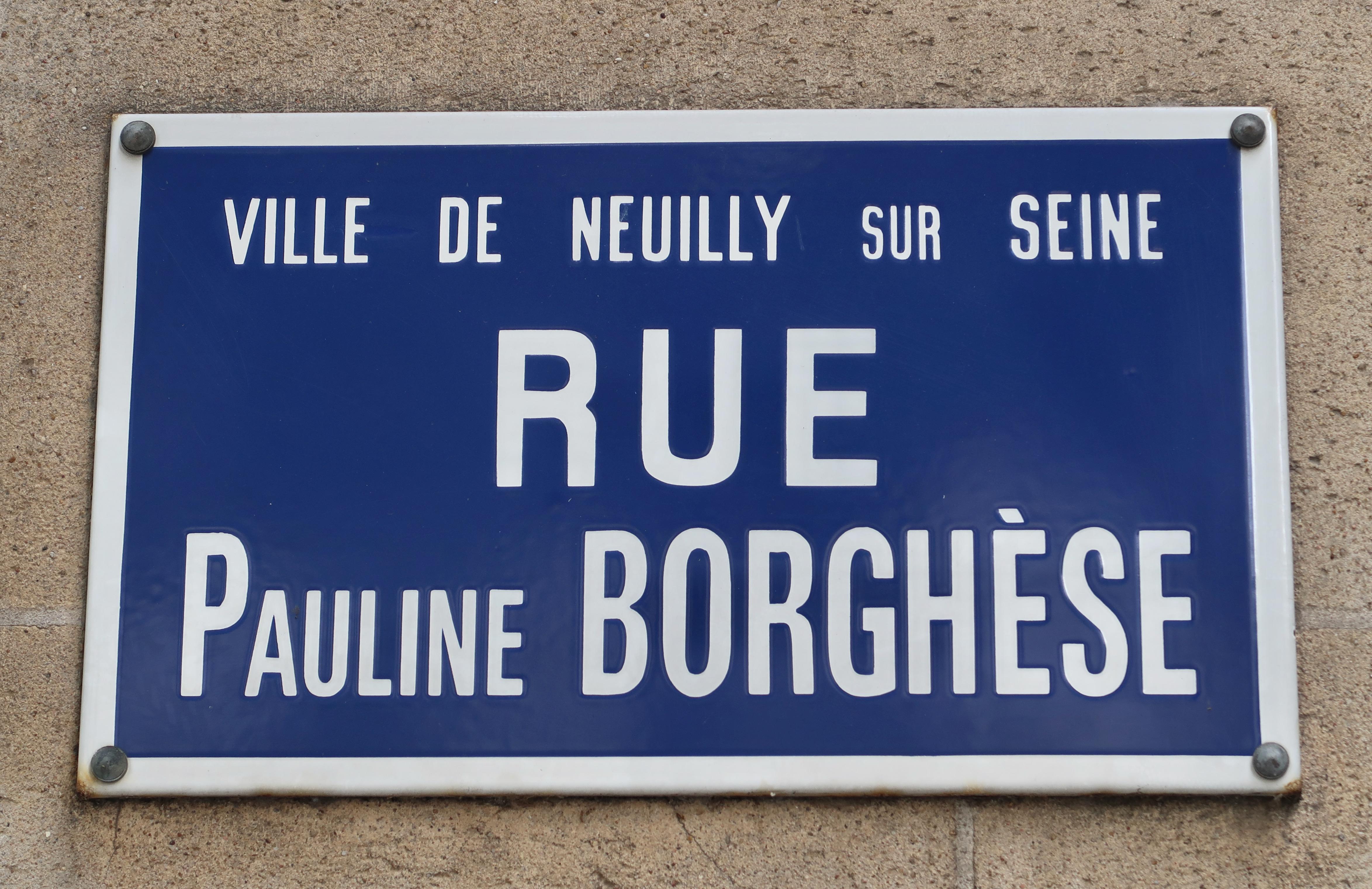 Rue Pauline BORGHESE à Neuilly