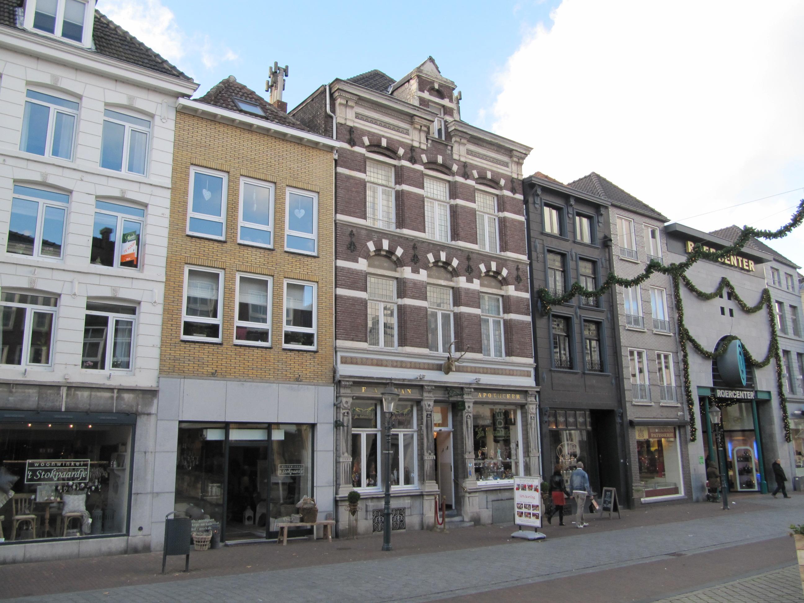 F A Haan Apotheek in Roermond | Monument - Rijksmonumenten.nl
