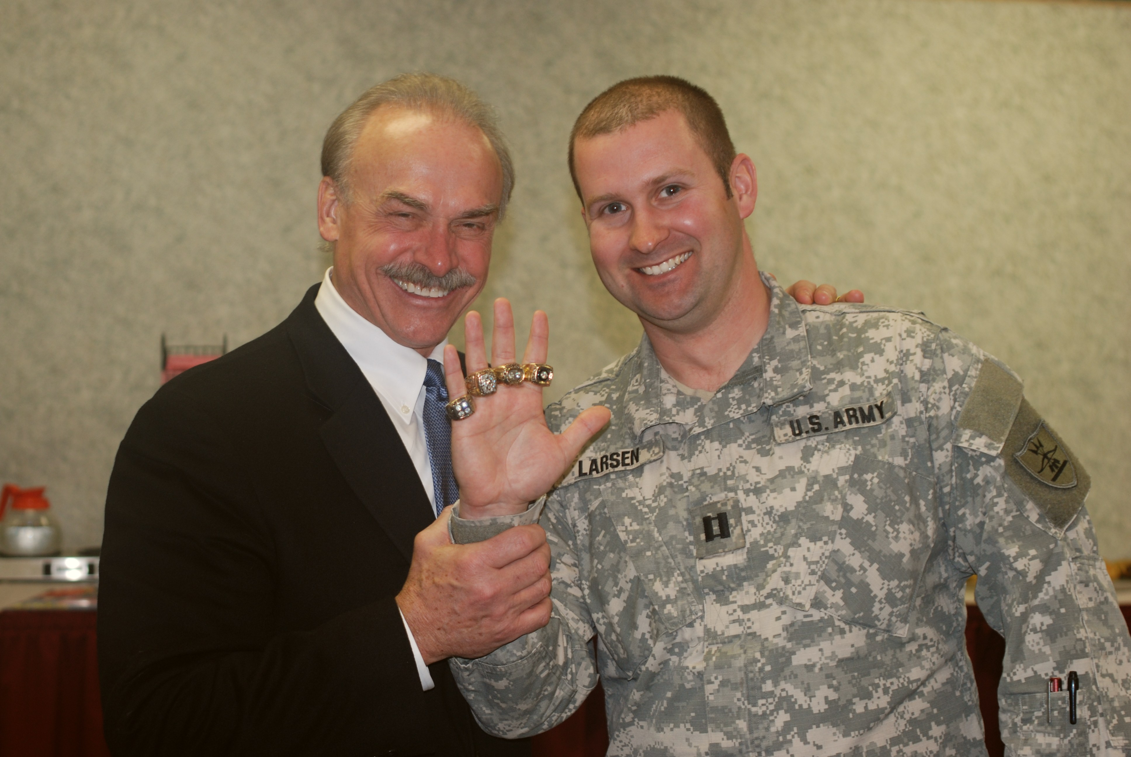 Description Rocky Bleier - Super Bowl Rings - Jan 24 2009.jpg