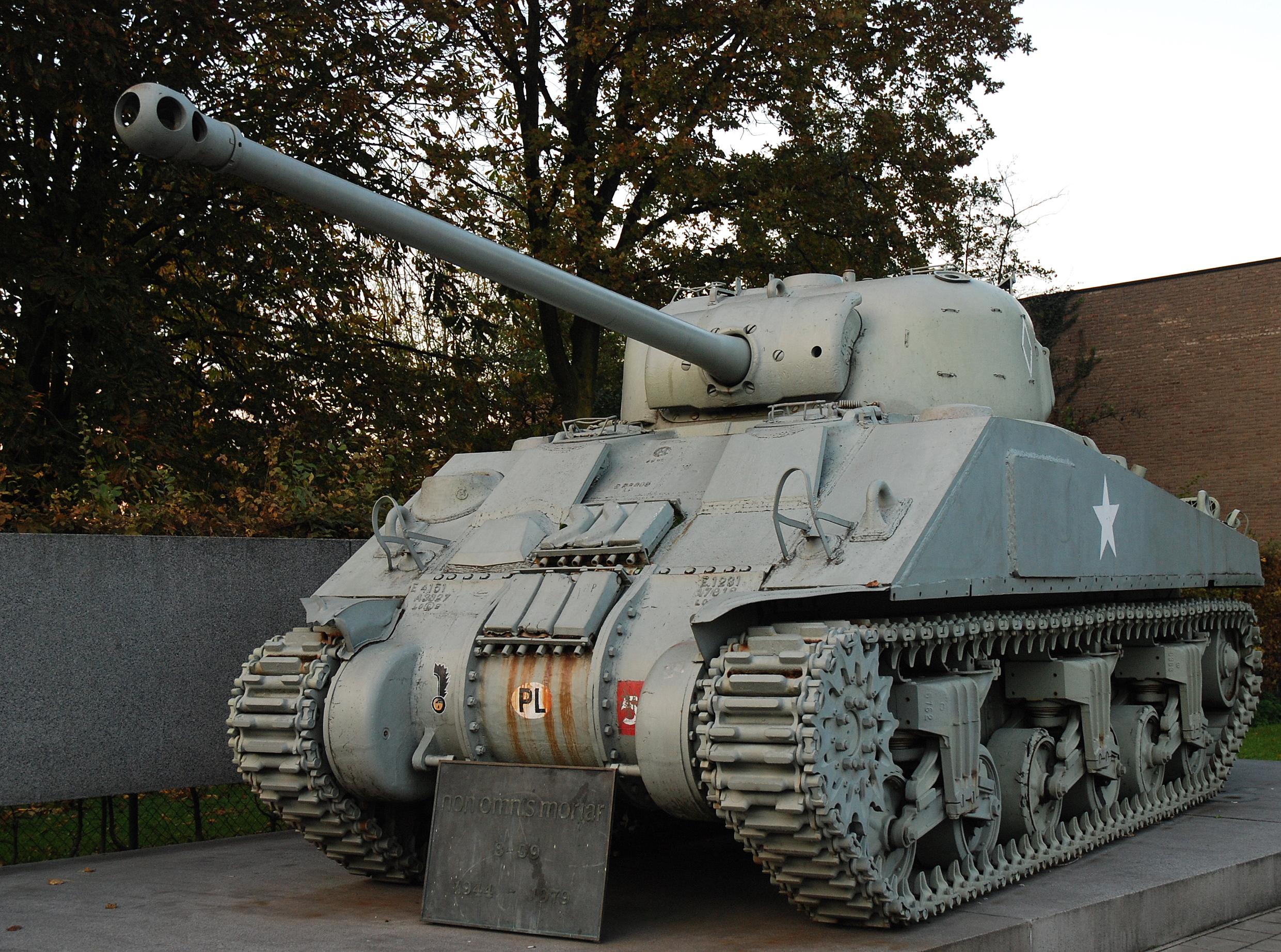 Sherman Firefly – Wikipedia, wolna encyklopedia