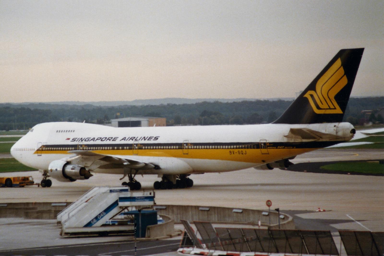 Filesingapore Airlines Boeing V Sqj  Jpg