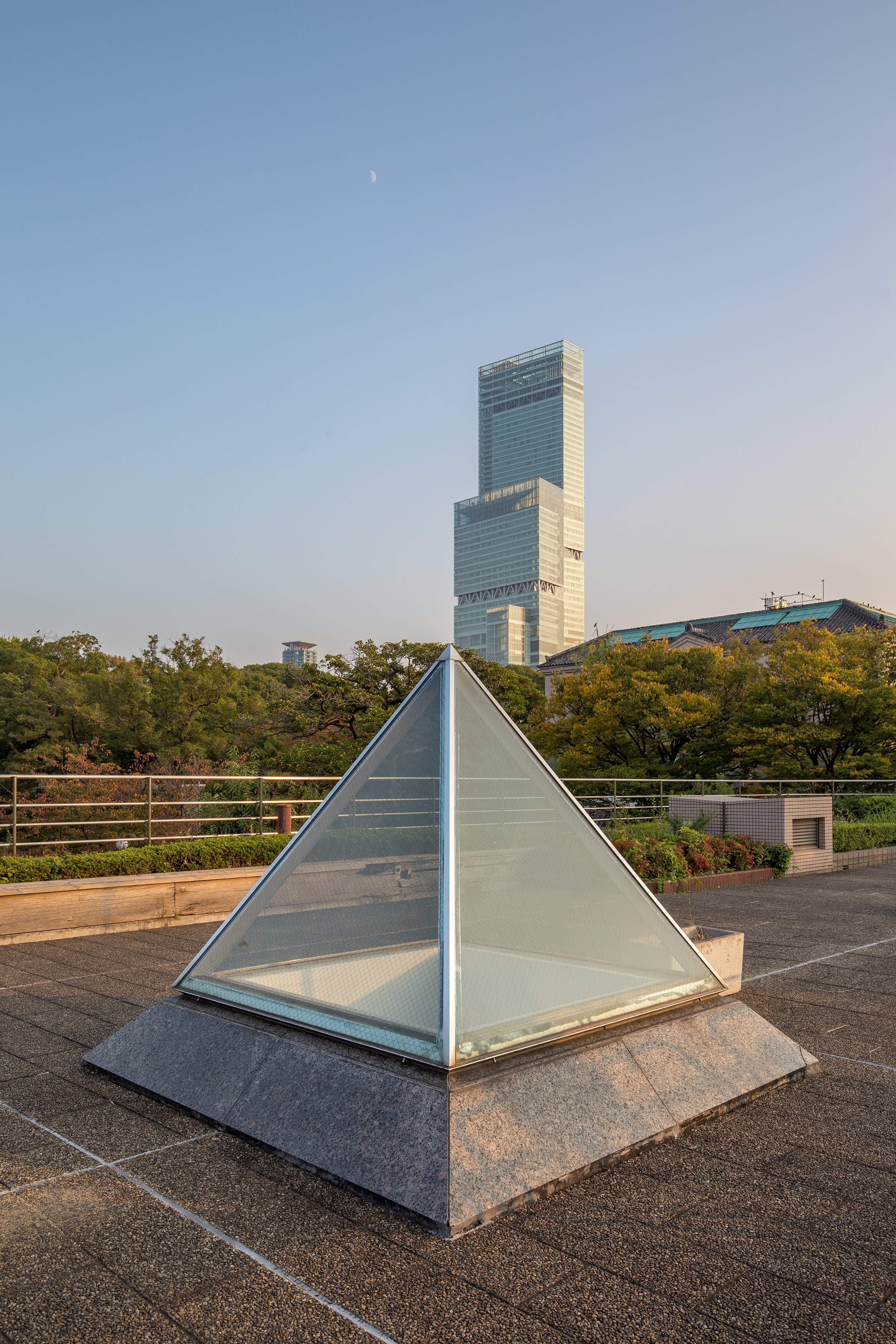 File:Square Pyramid Skylight On The Roof With Abeno Harukas In Sunset   HDR.