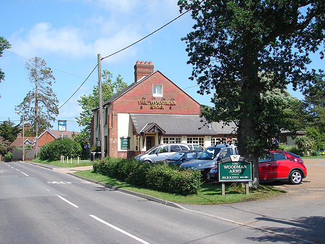 File:The Woodman Arms - geograph.org.uk - 833837.jpg