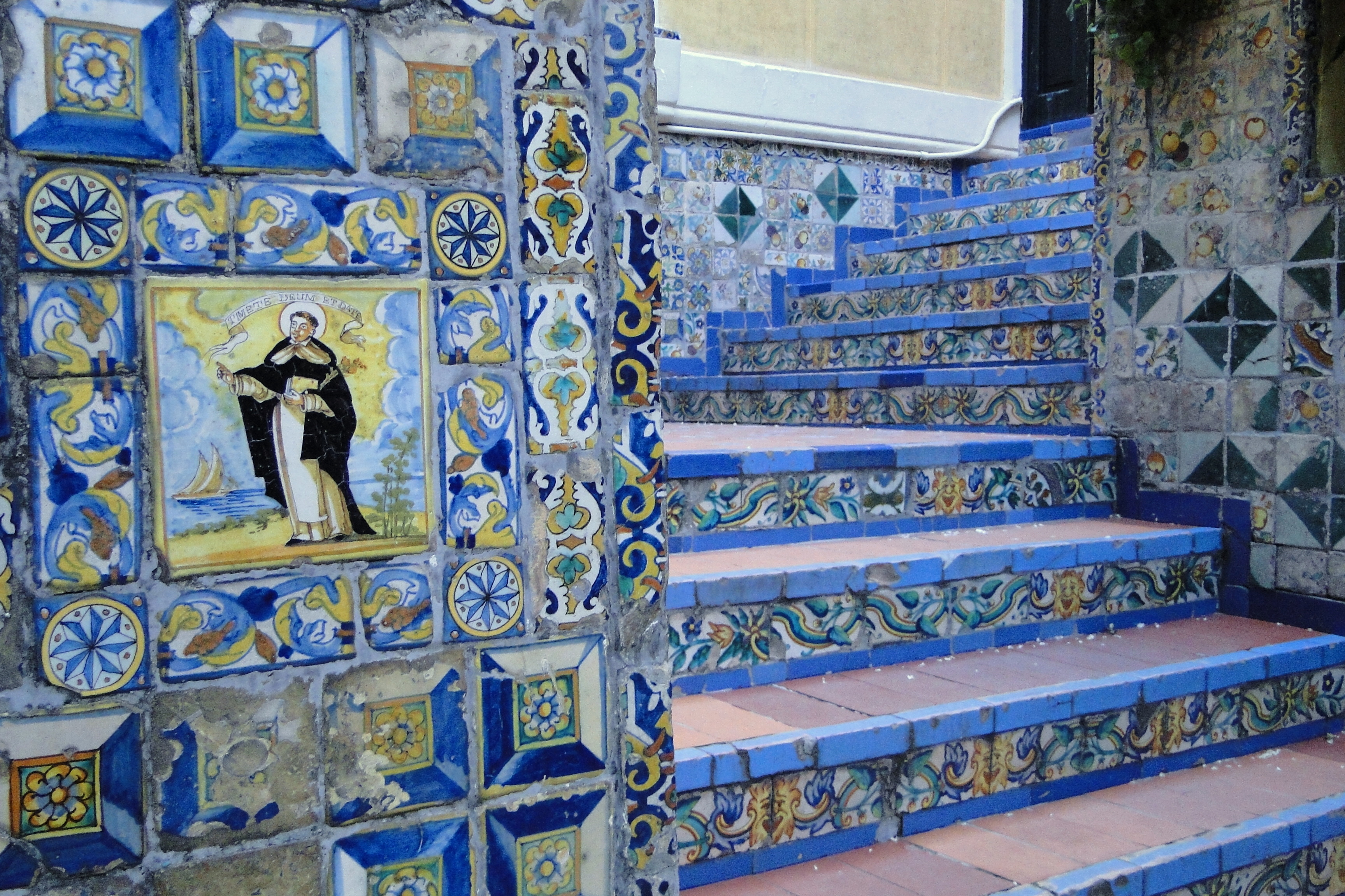 Museo Sorolla Madrid.Fajl Tilework And Stairs In Garden Of Museo Sorolla Madrid Spain
