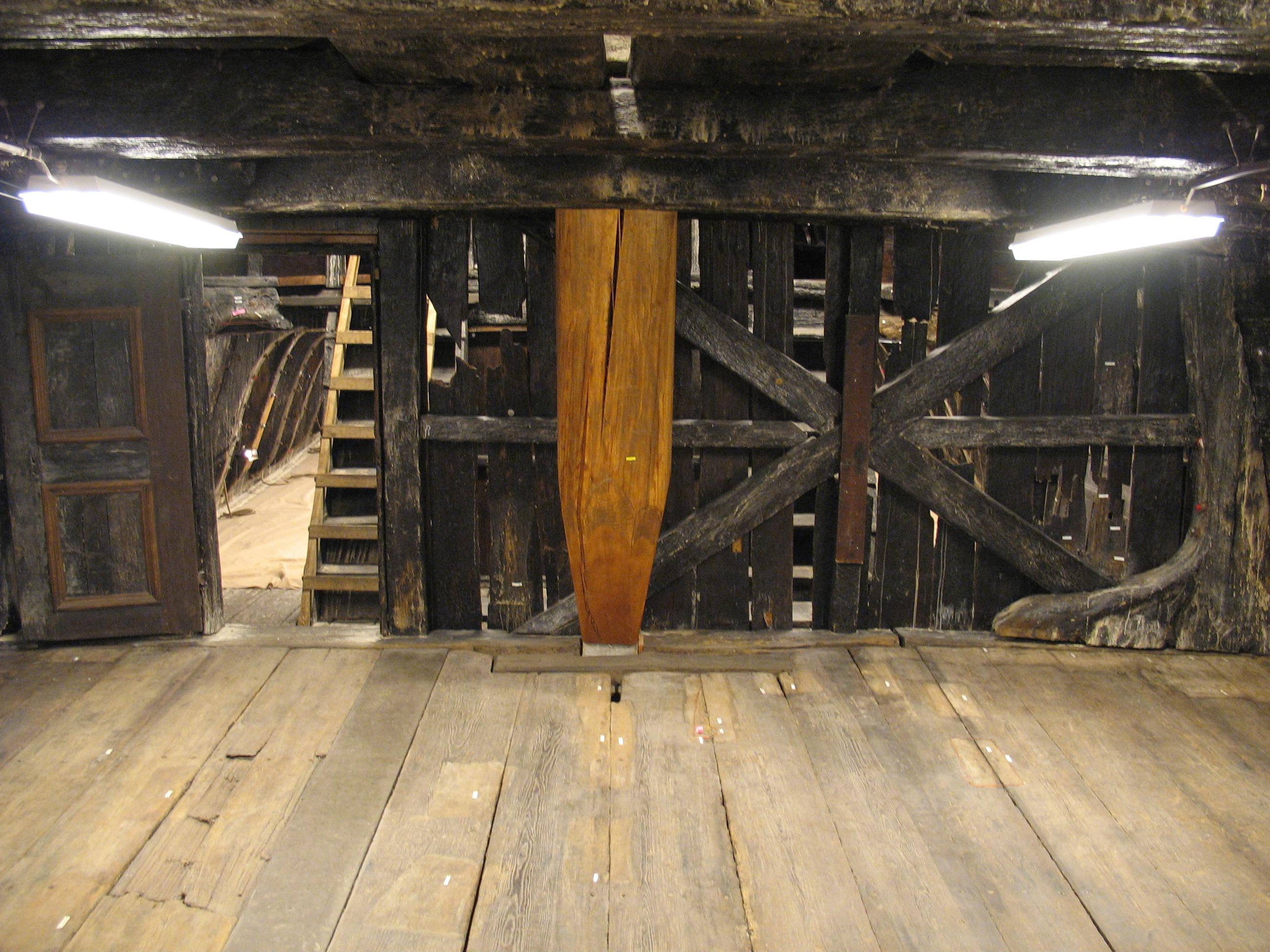 File Vasa Mizzen Mast Support Jpg Wikimedia Commons