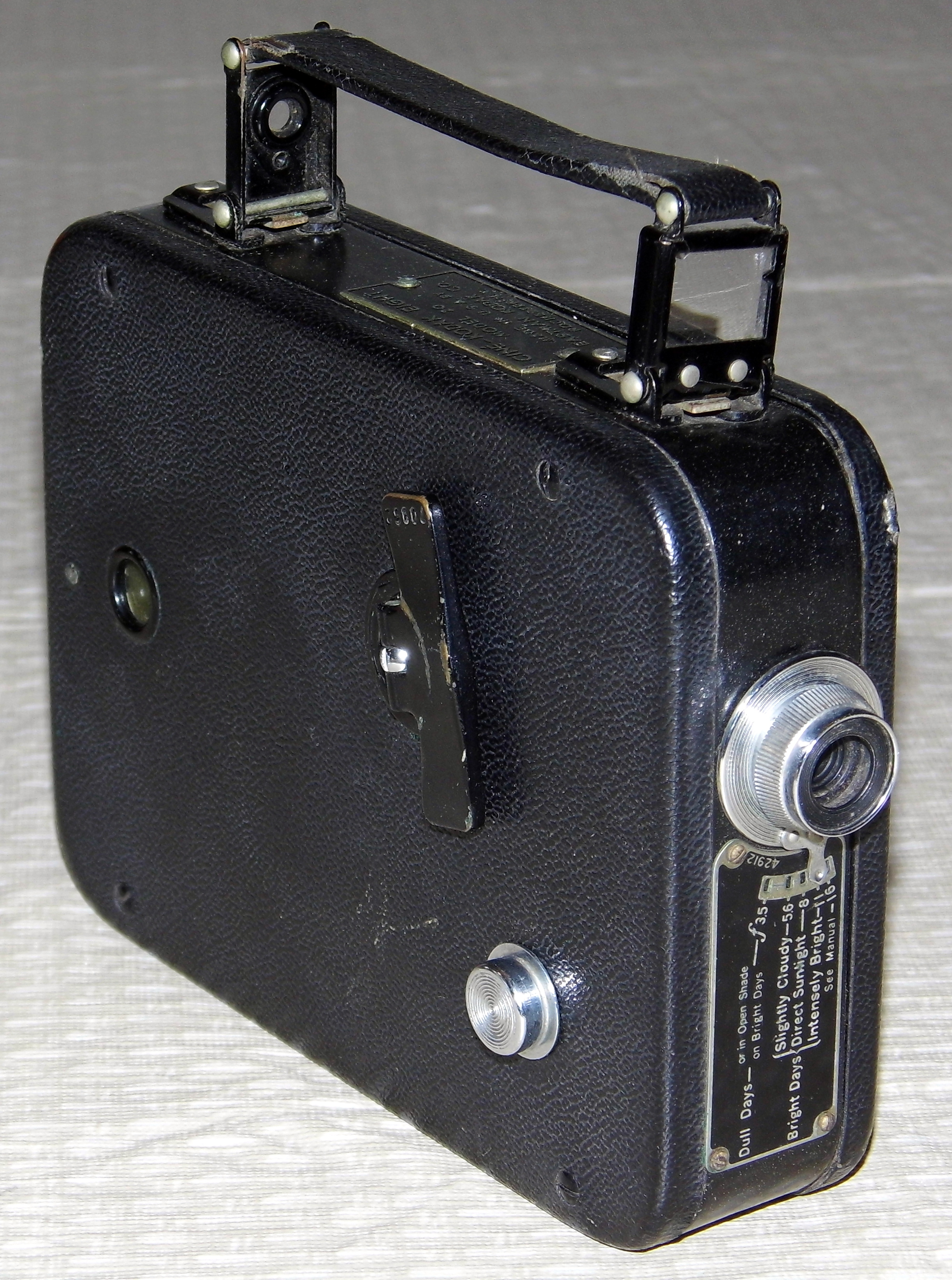 file vintage kodak cine kodak eight model 20 8mm movie camera rh commons wikimedia org Original Cine-Kodak Model Largest Cine-Kodak
