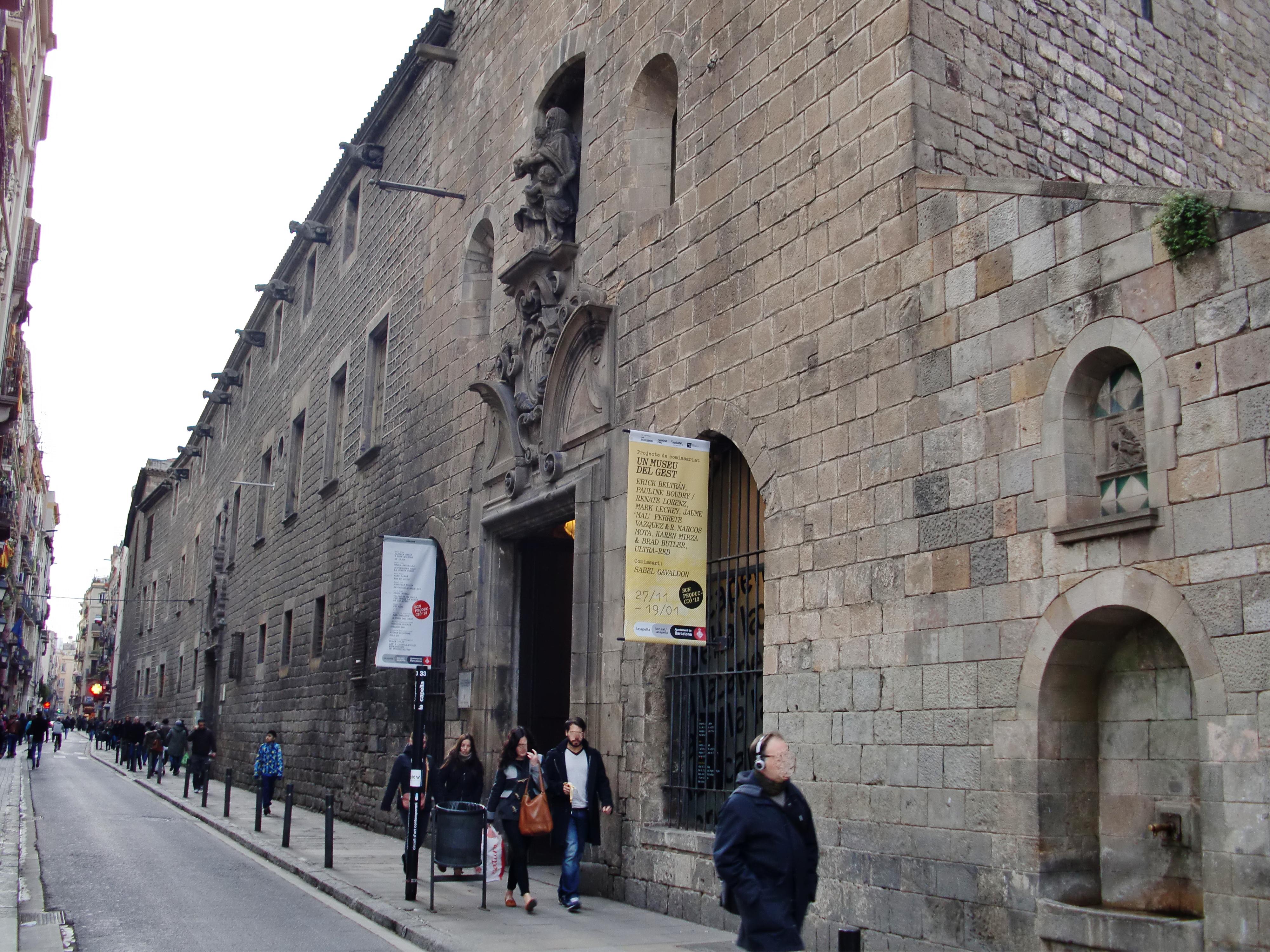 Resultado de imagen de antiguo hospital de santa creu barcelona