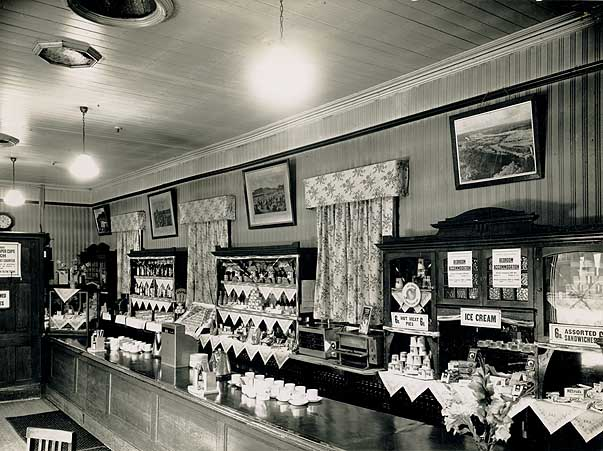 Yass Junction Railway Refreshment Room, 1949 (5188408718) (3).jpg