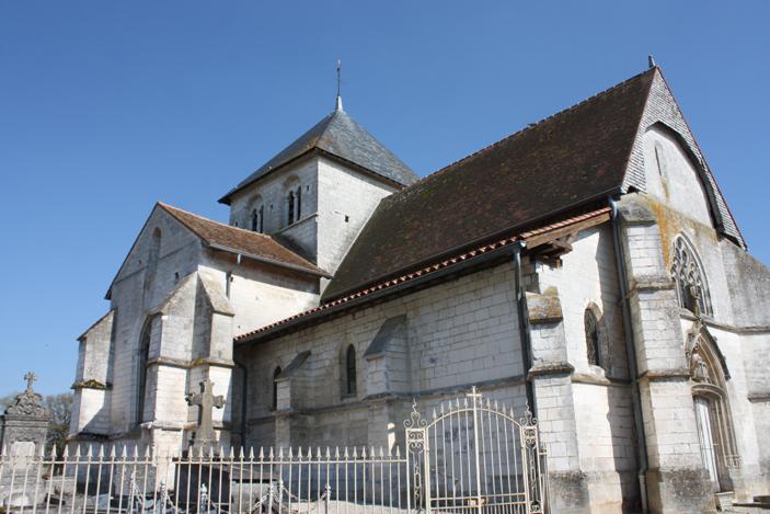 Église de la Nativité-de-la-Sainte-Vierge d'Humbauville (Classé)