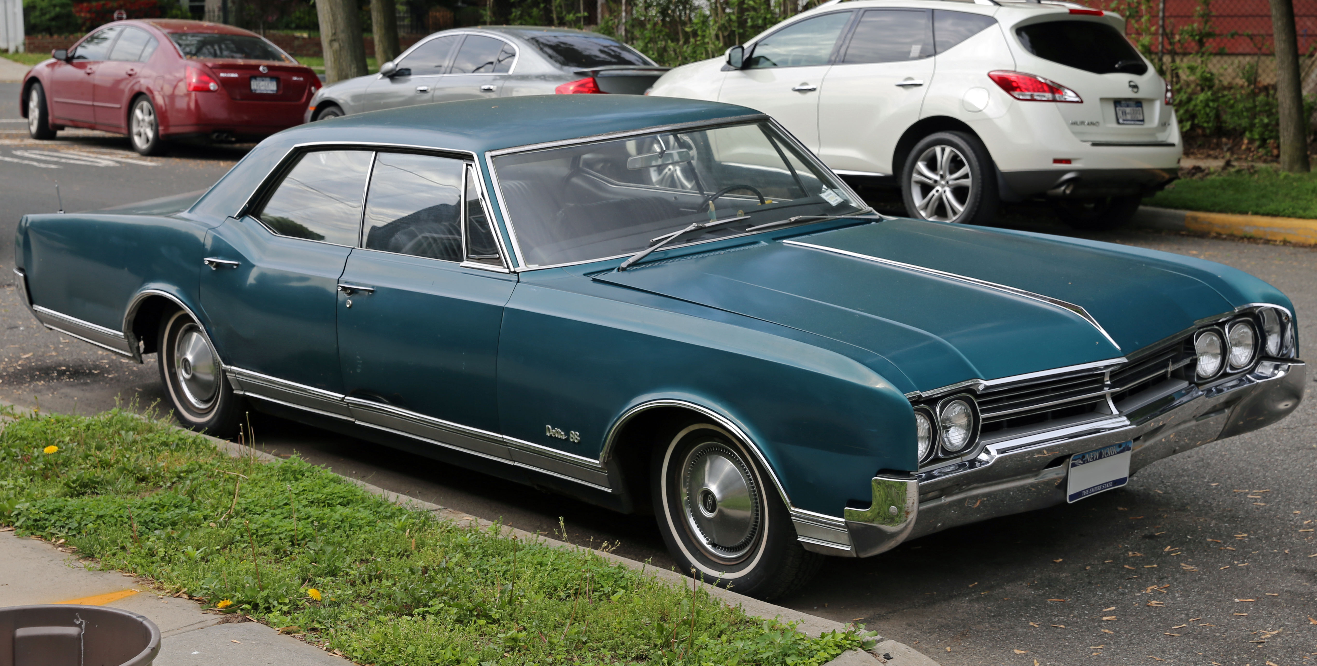 File 1966 Oldsmobile Delta 88 Holiday Hardtop 4 Door Sedan