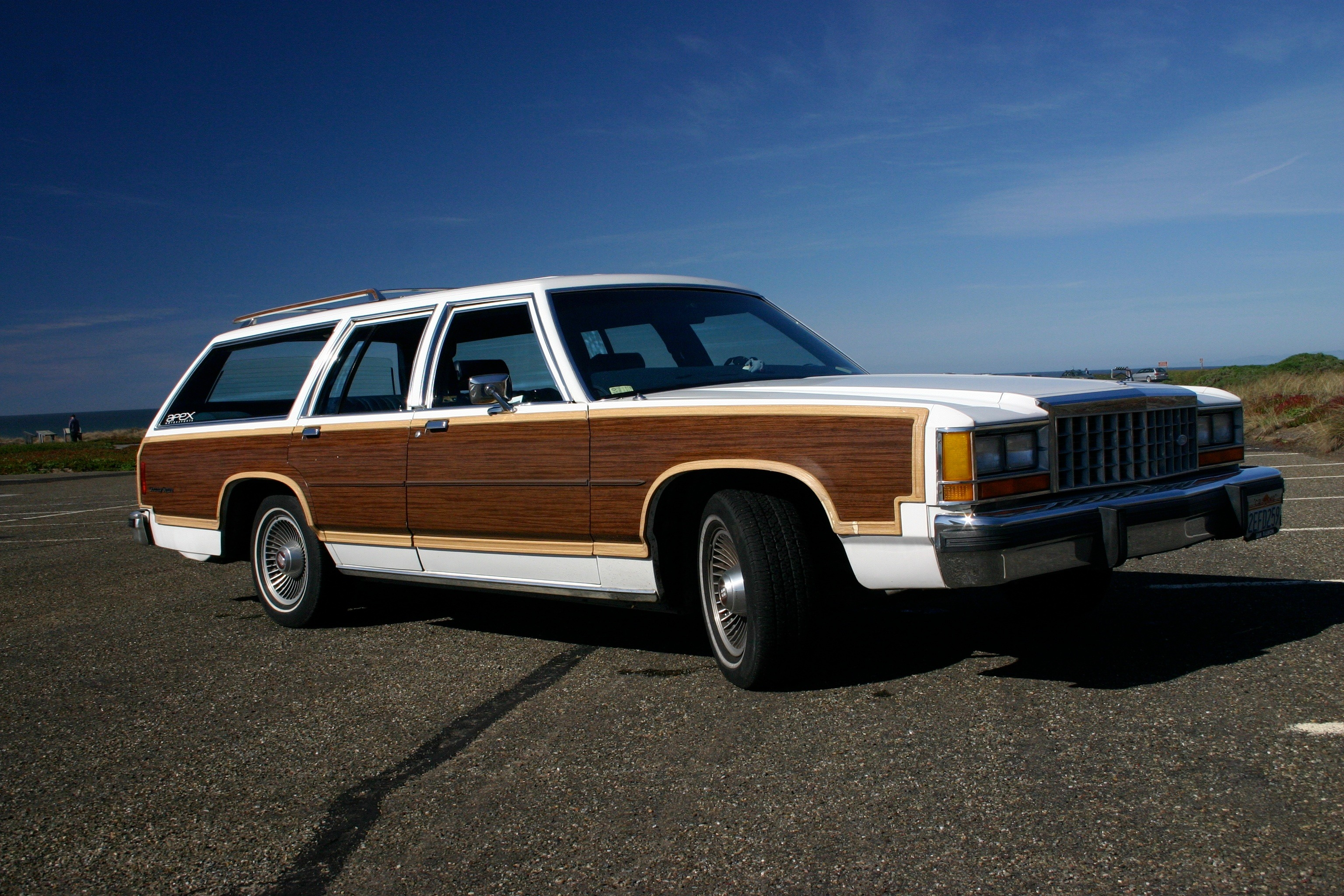 Ford country squire simple english wikipedia the free encyclopedia