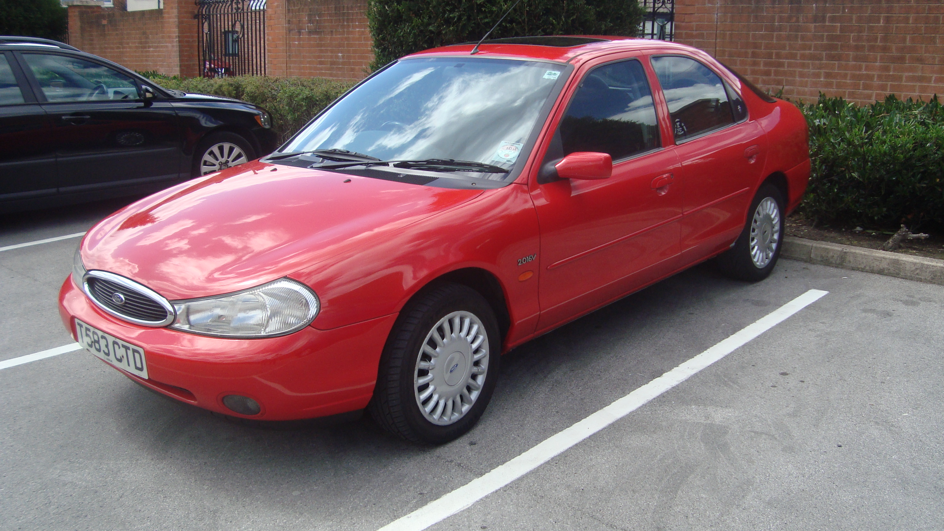 File:1999 Ford Mondeo 2.0 Ghia Automatic (14579207445).jpg