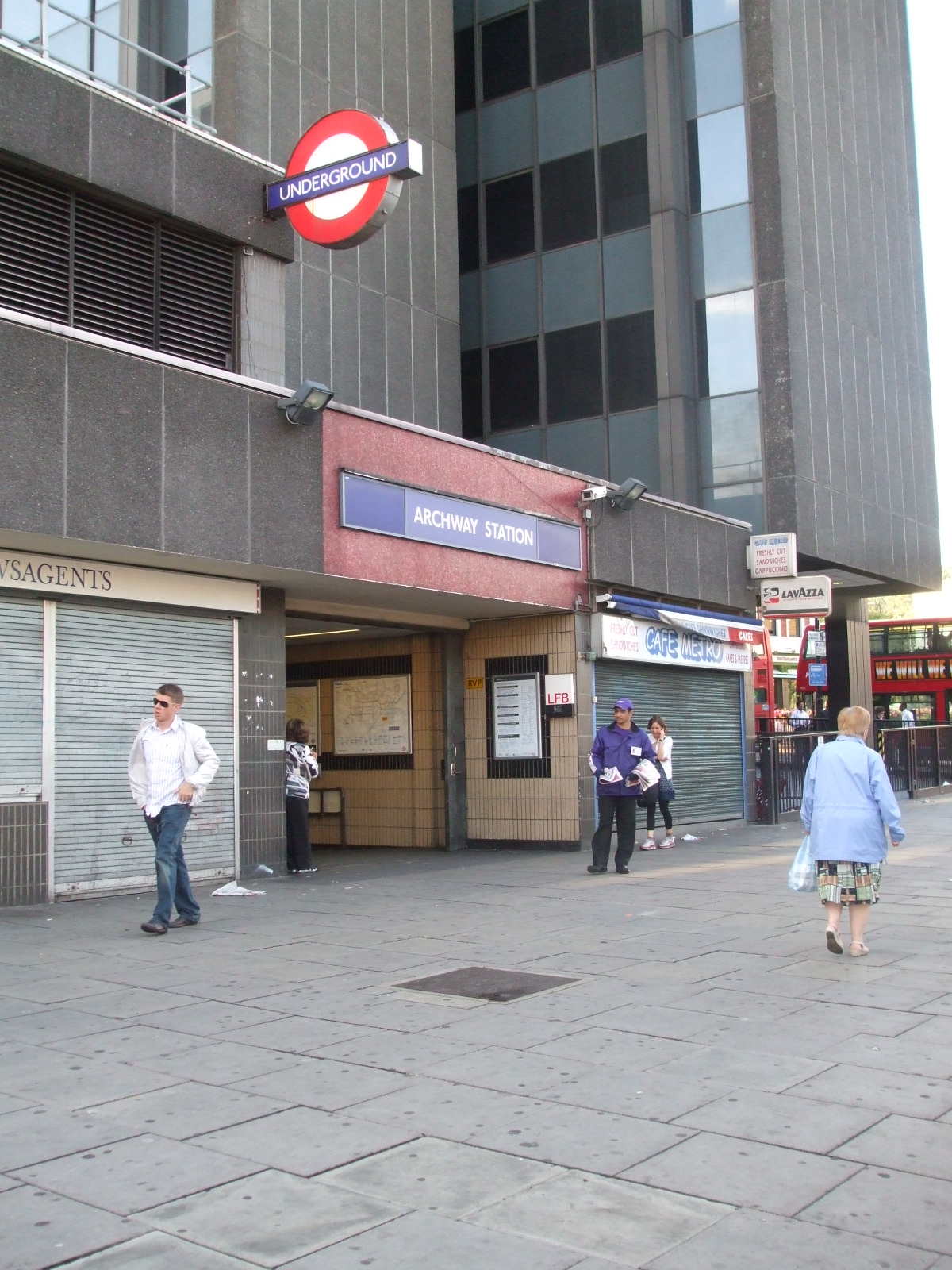 how to get to archway station