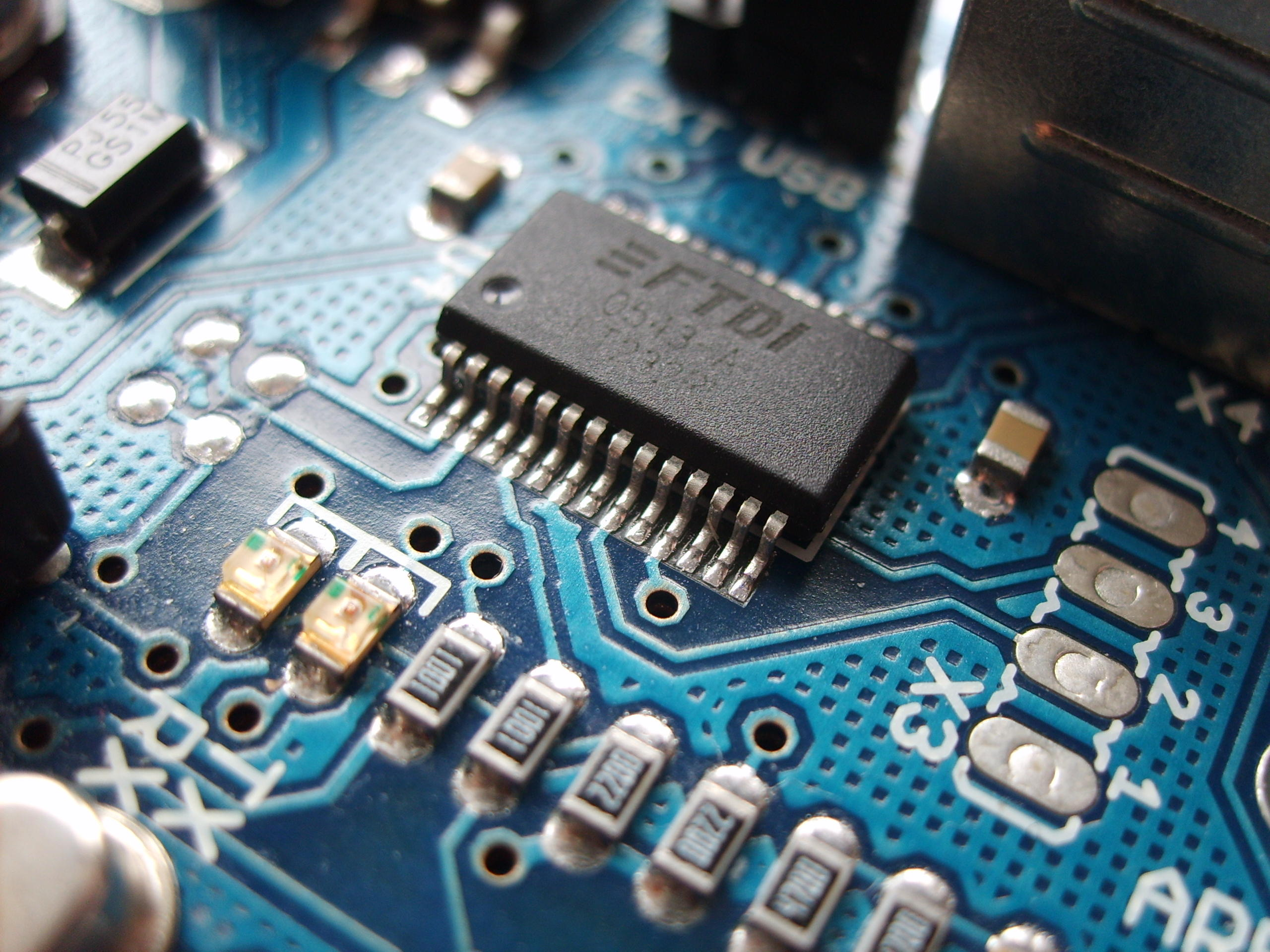 Surface mount electronic components