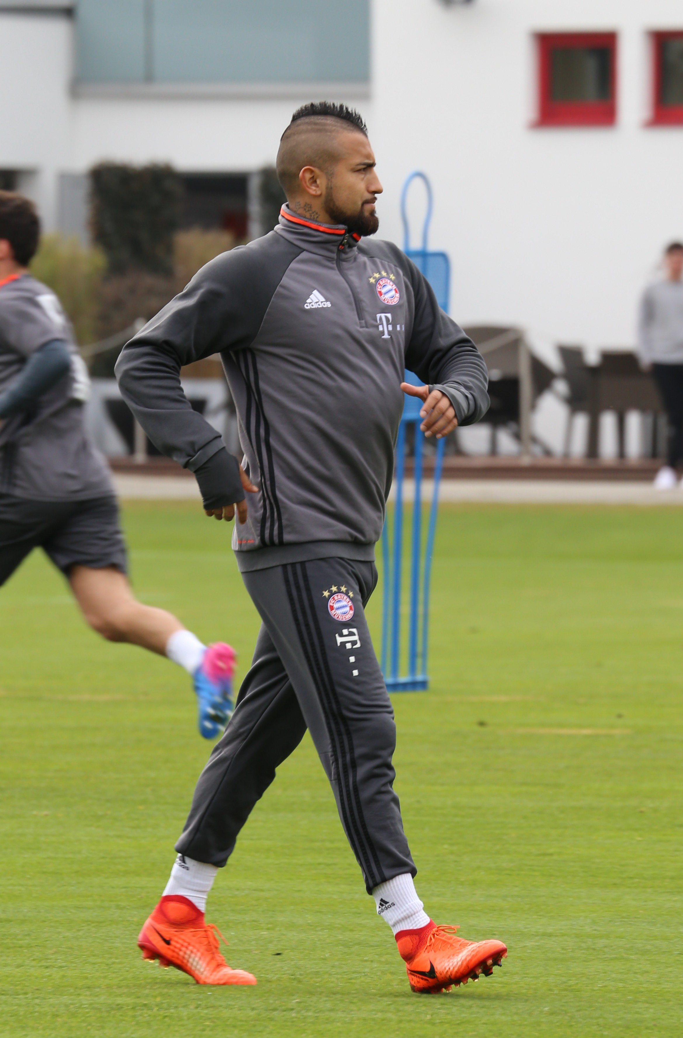 Vidal Training With Bayern Munich In