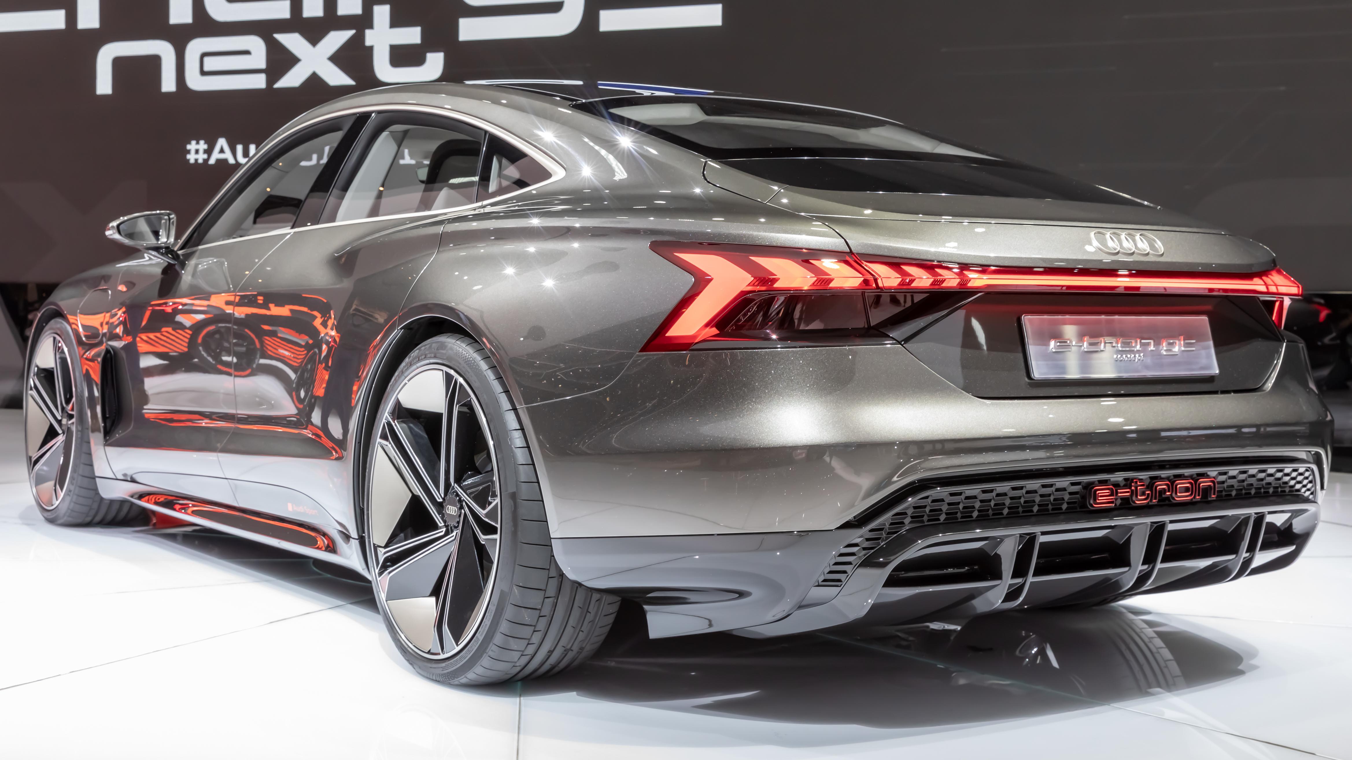 File:Audi e-tron GT concept, GIMS 2019, Le Grand-Saconnex ...