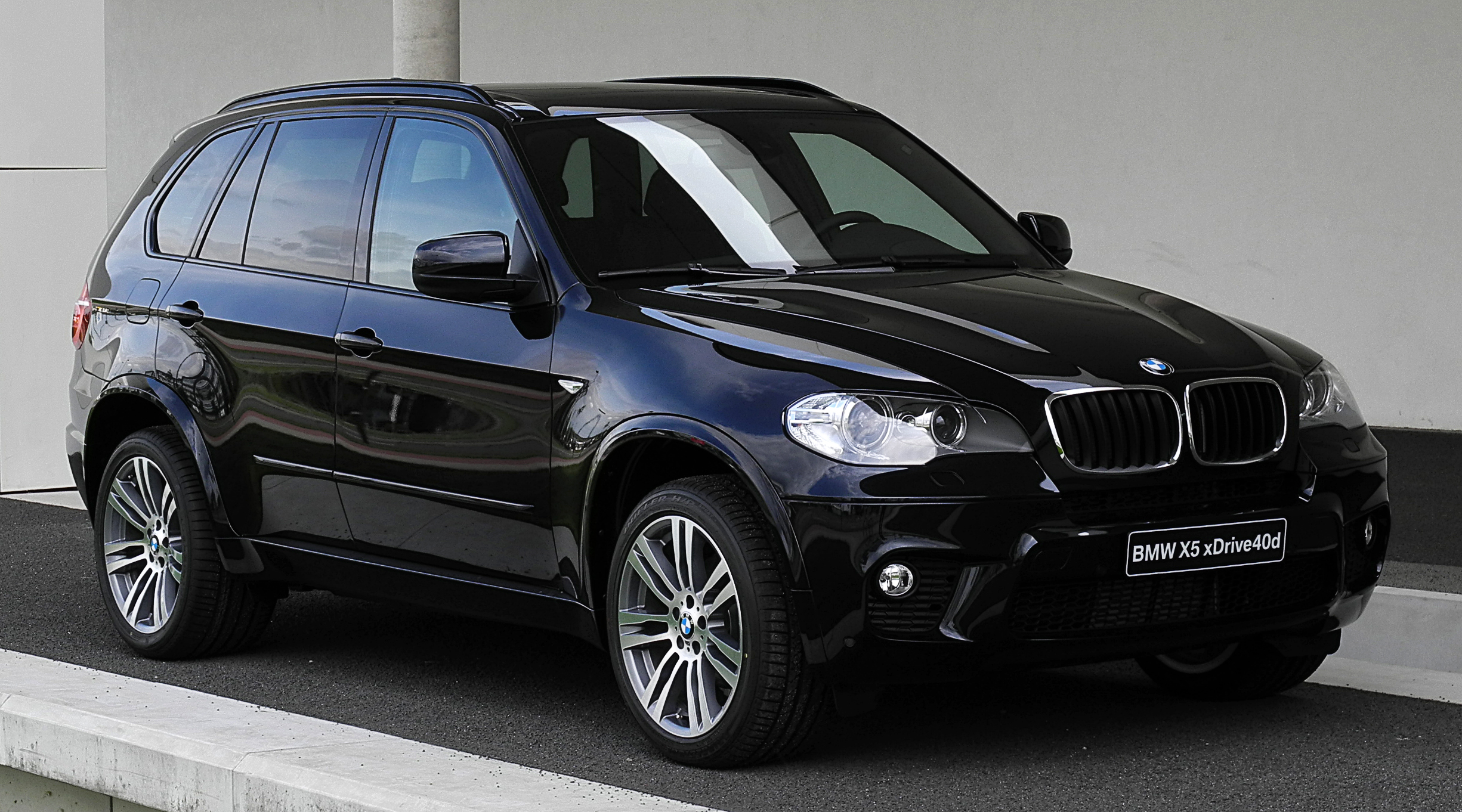 file bmw x5 xdrive40d m sportpaket e70 facelift frontansicht 2 juli 2011 d. Black Bedroom Furniture Sets. Home Design Ideas