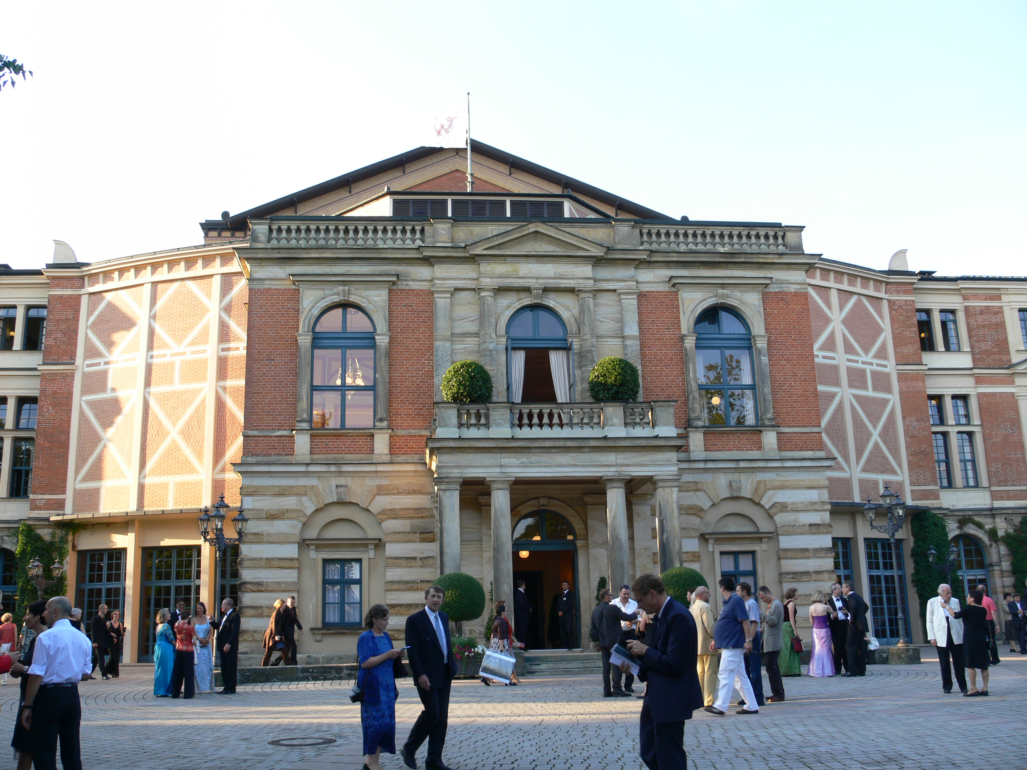 Dating bayreuth Bayreuth Muslim German Men For Dating at Muslima.com