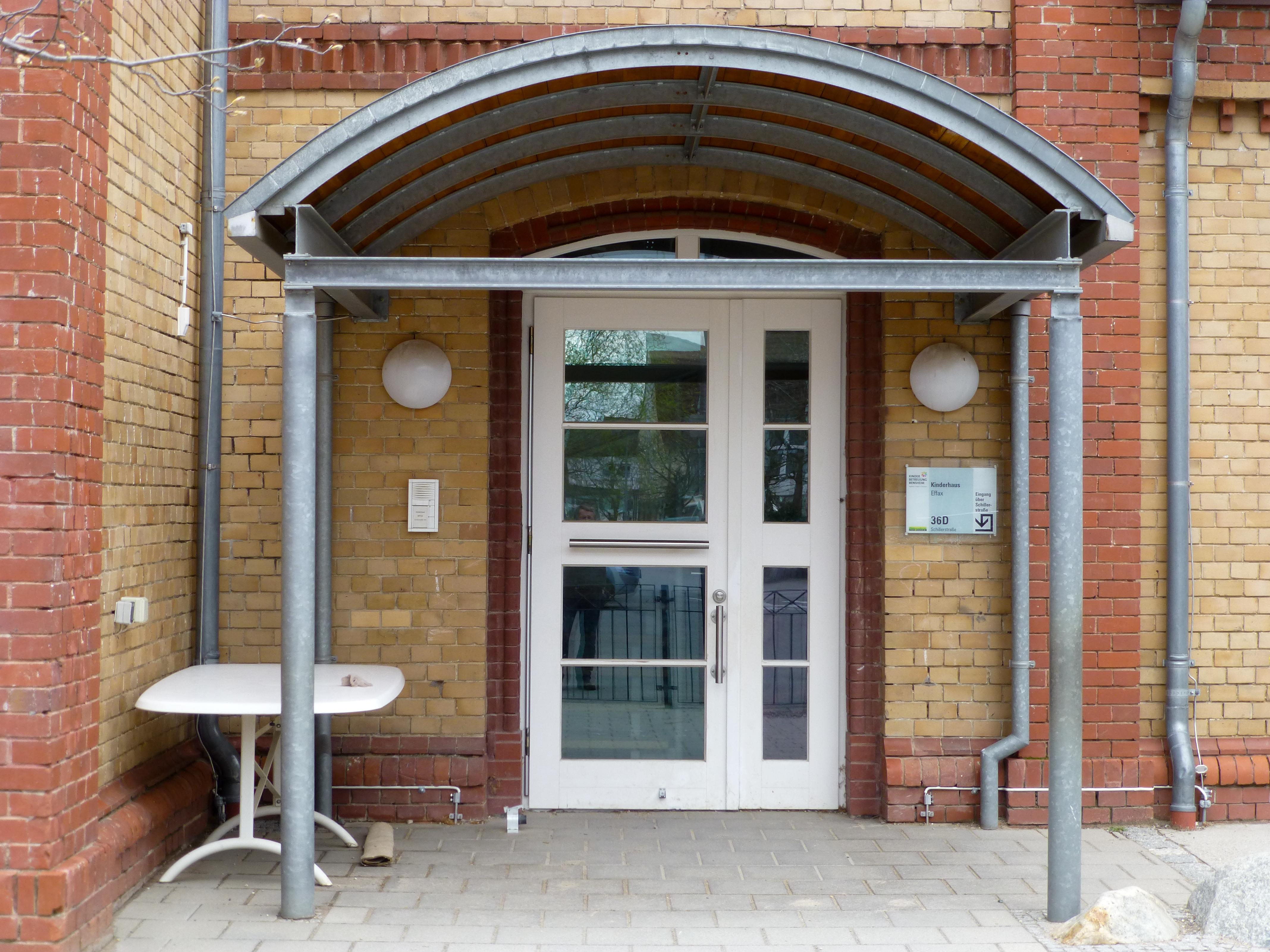 File:Bensheim-Auerbach, Ehemaliges Elektrizitätswerk-03-Eingang.jpg