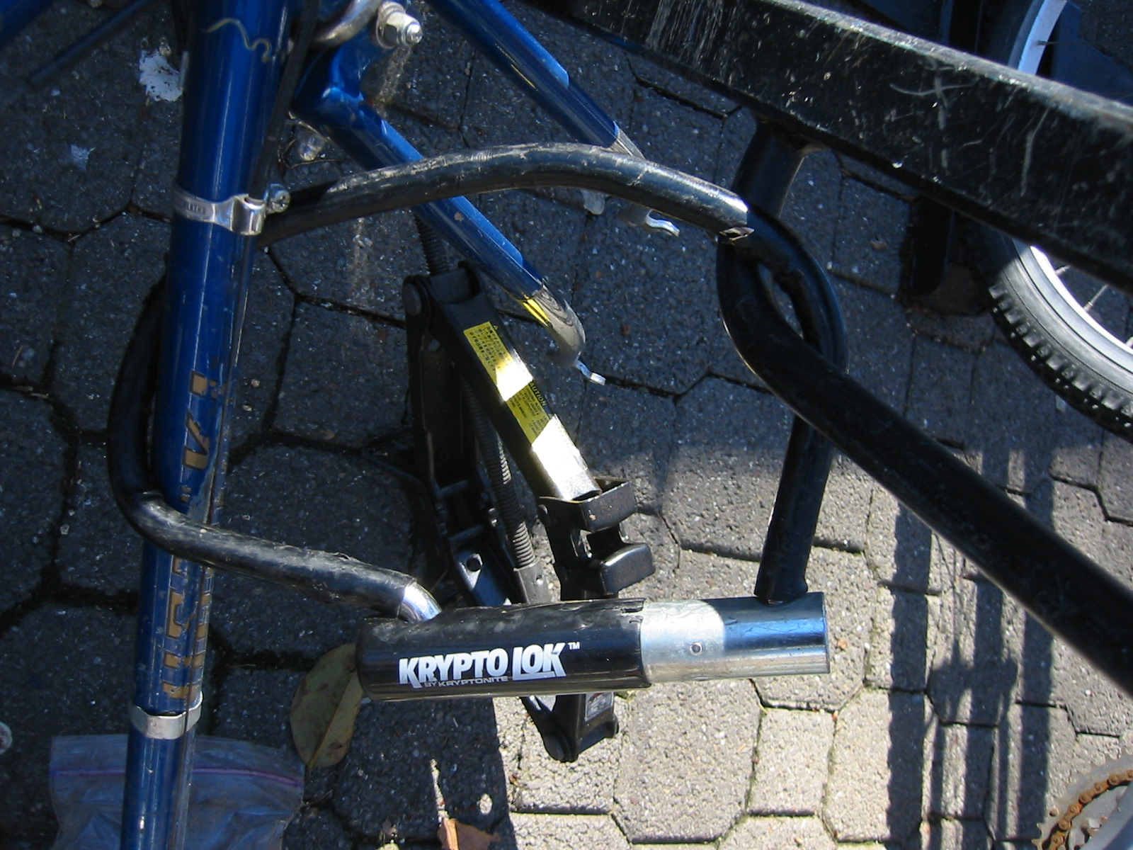 Bike lock cracked by jack.jpg