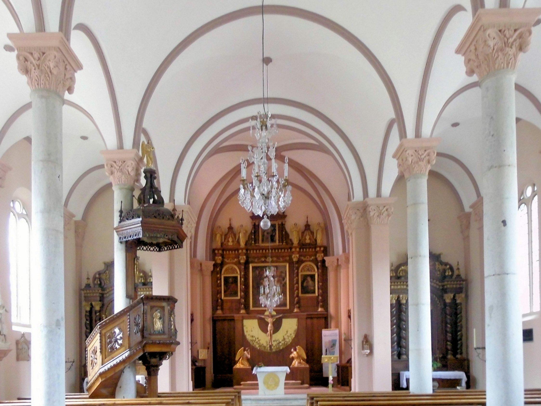 Datei:Bourguignon, Église Sainte-Anne à l\'intérieur.jpg – Wikipedia