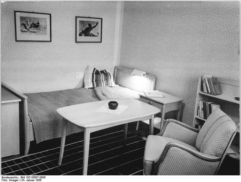 app in die geschichte. Black Bedroom Furniture Sets. Home Design Ideas