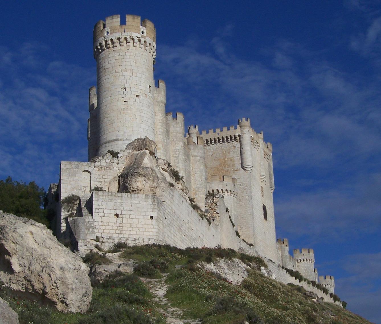 File:Castillo Peñafiel.jpg - Wikimedia Commons