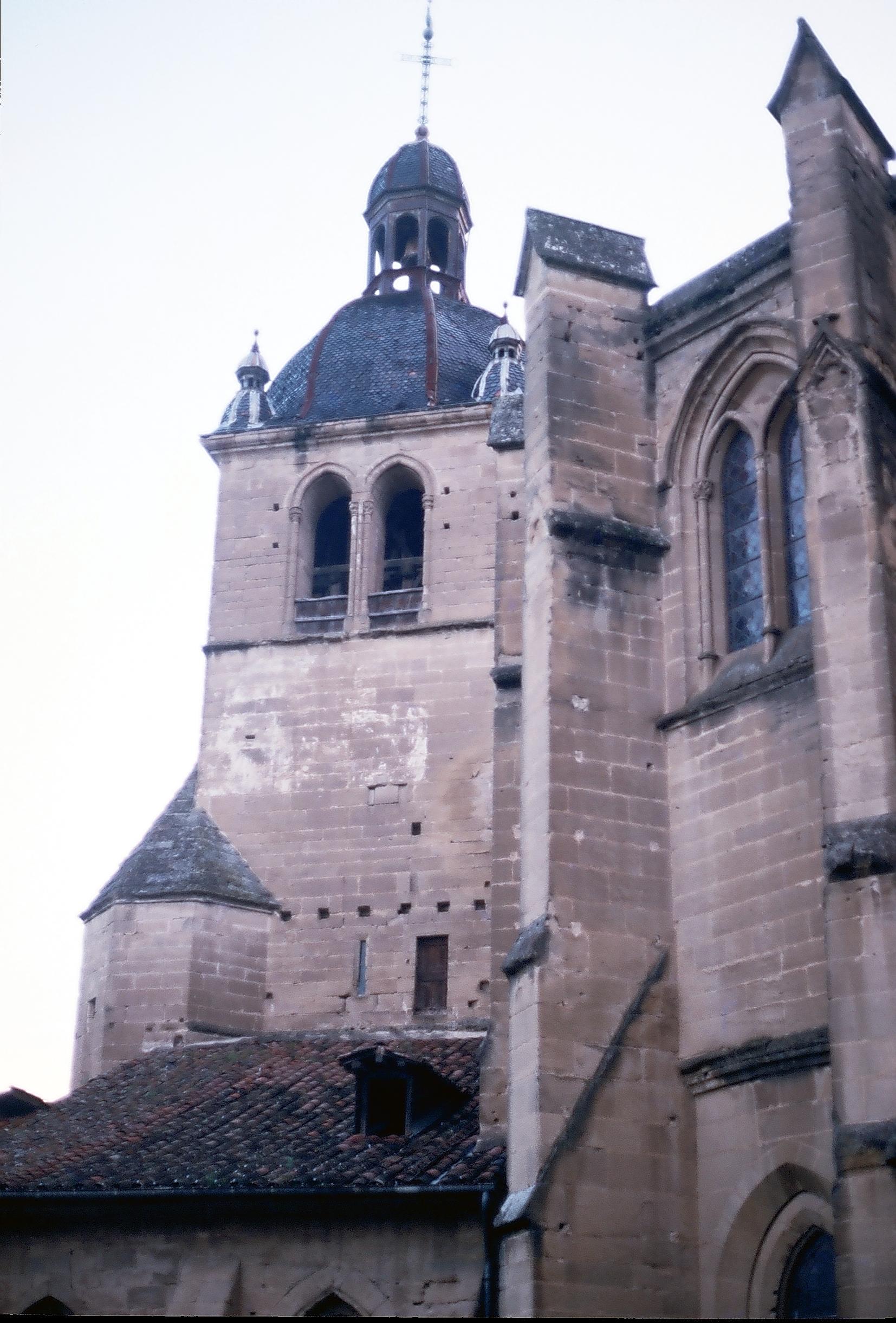 Narbonne Version 3 1: File:Clocher De L'Abbatiale Côté Est, St-Antoine.jpg