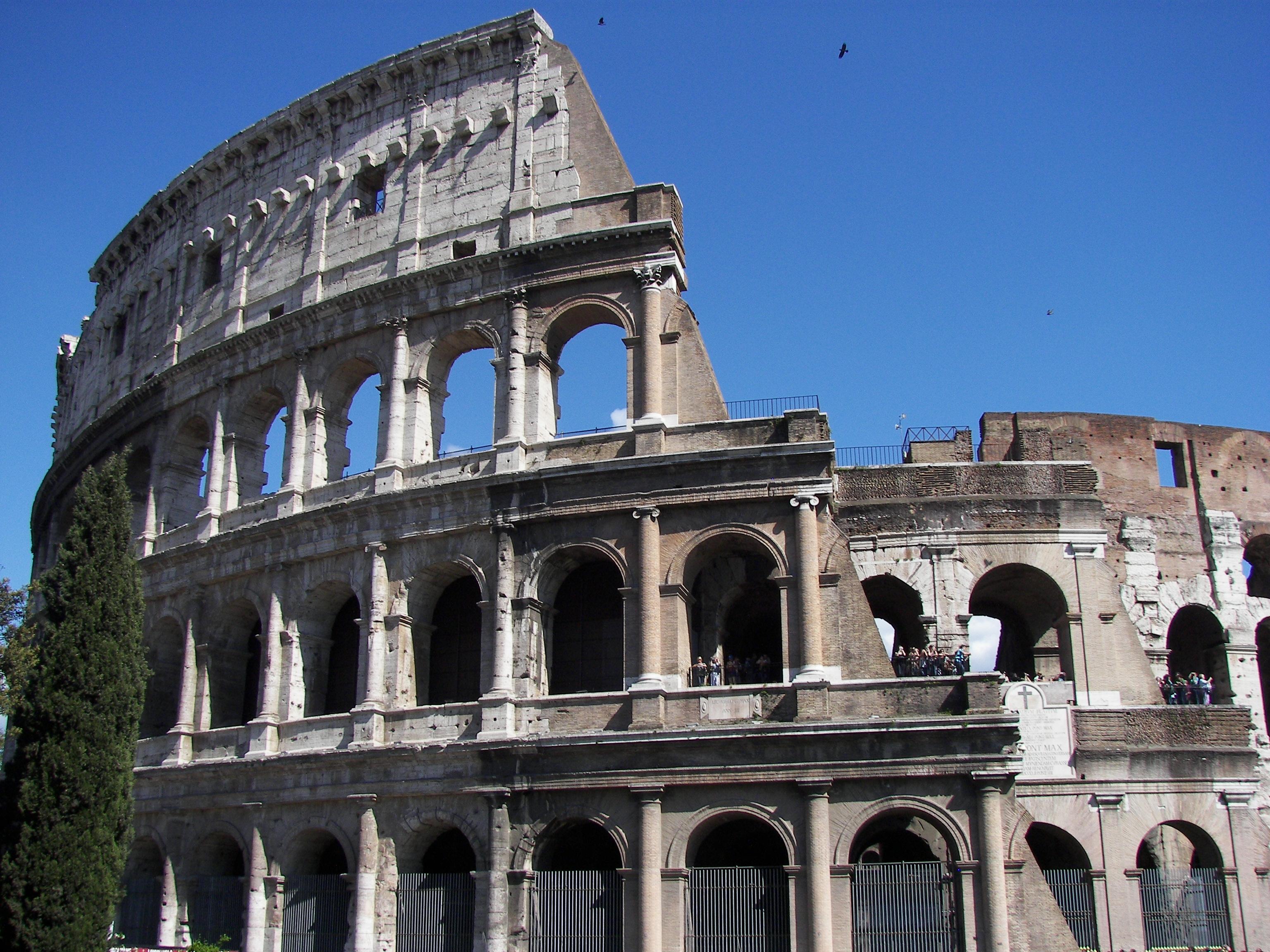 Description Colosseum ...