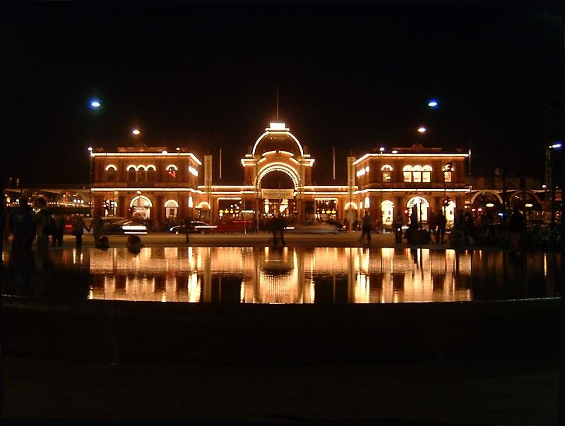 Copenhagen at night - Tivoli 2.jpg