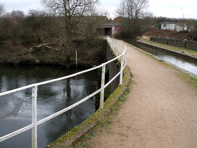 Coventry Canal aqueduct over River Tame - geograph.org.uk - 703552
