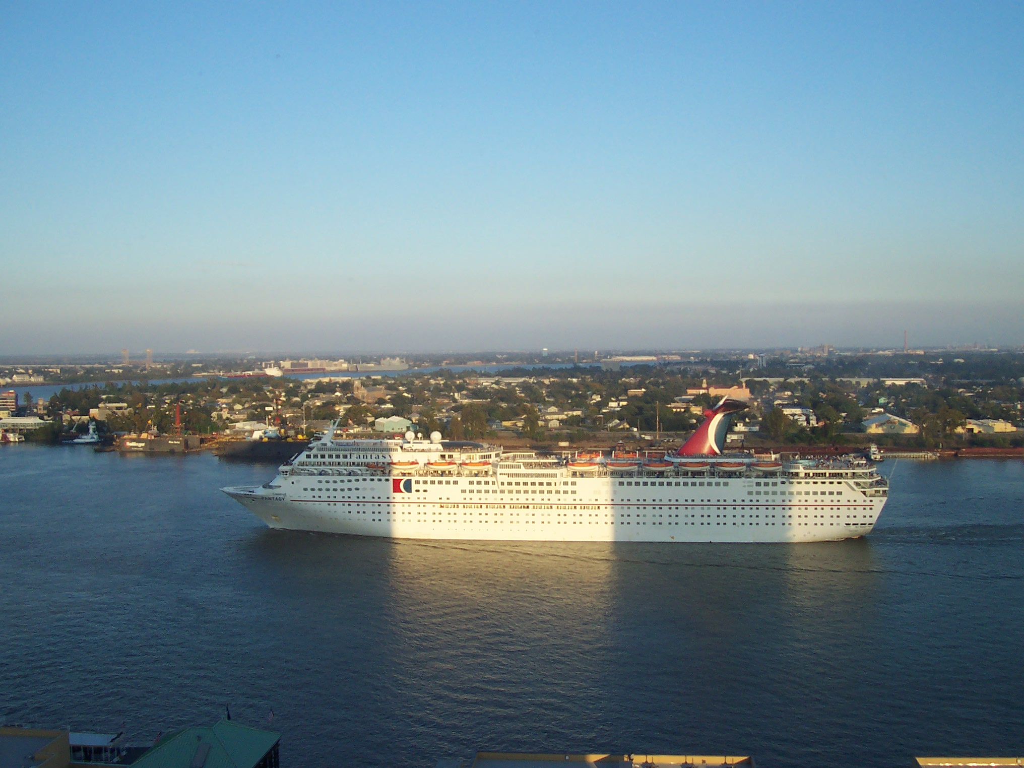 FileCruise Ship In New Orleansjpg Wikimedia Commons - Cruise ships new orleans