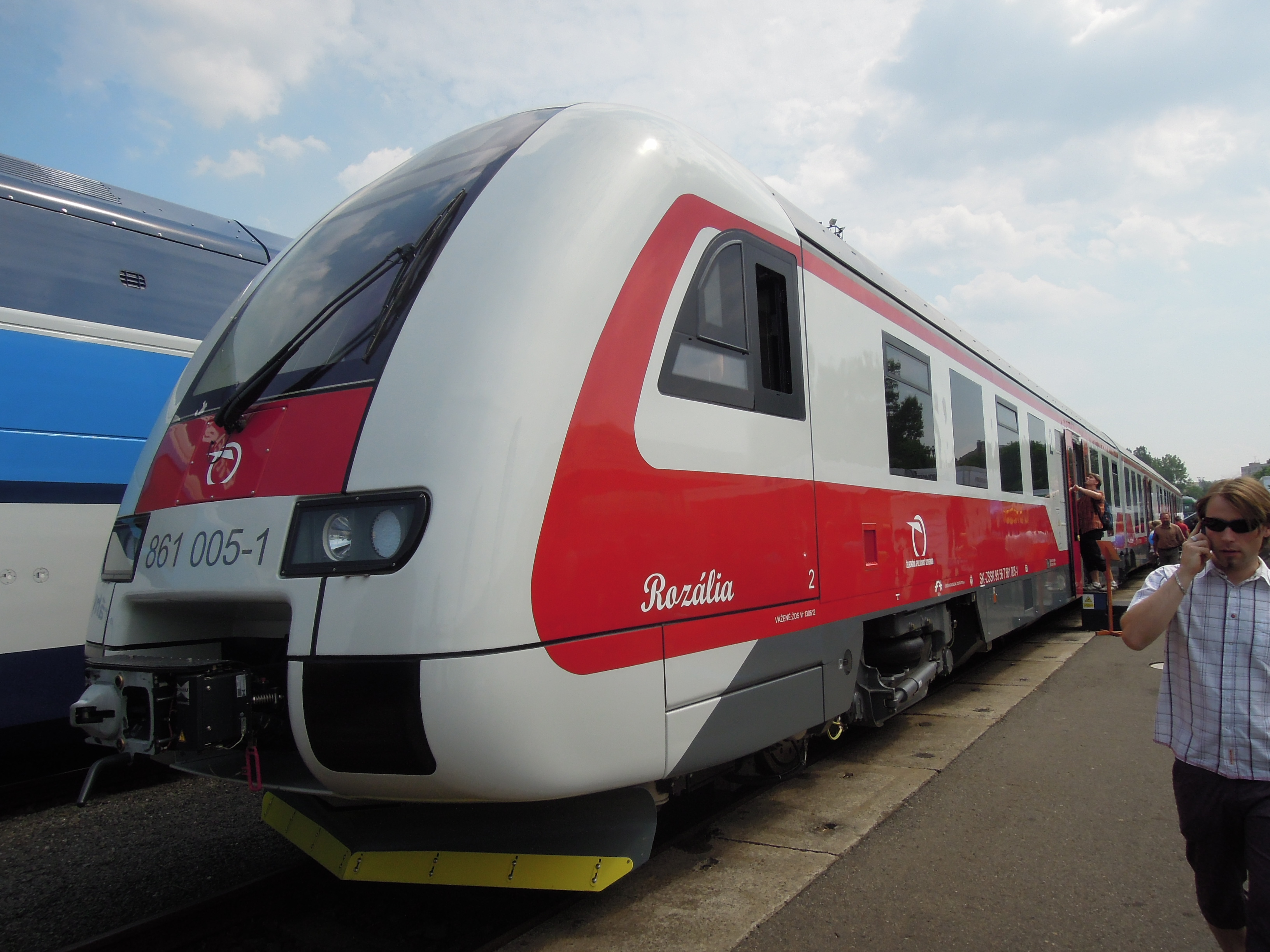 File:Czech Raildays 2012, ZSSK 861, 861 005-1 (02)