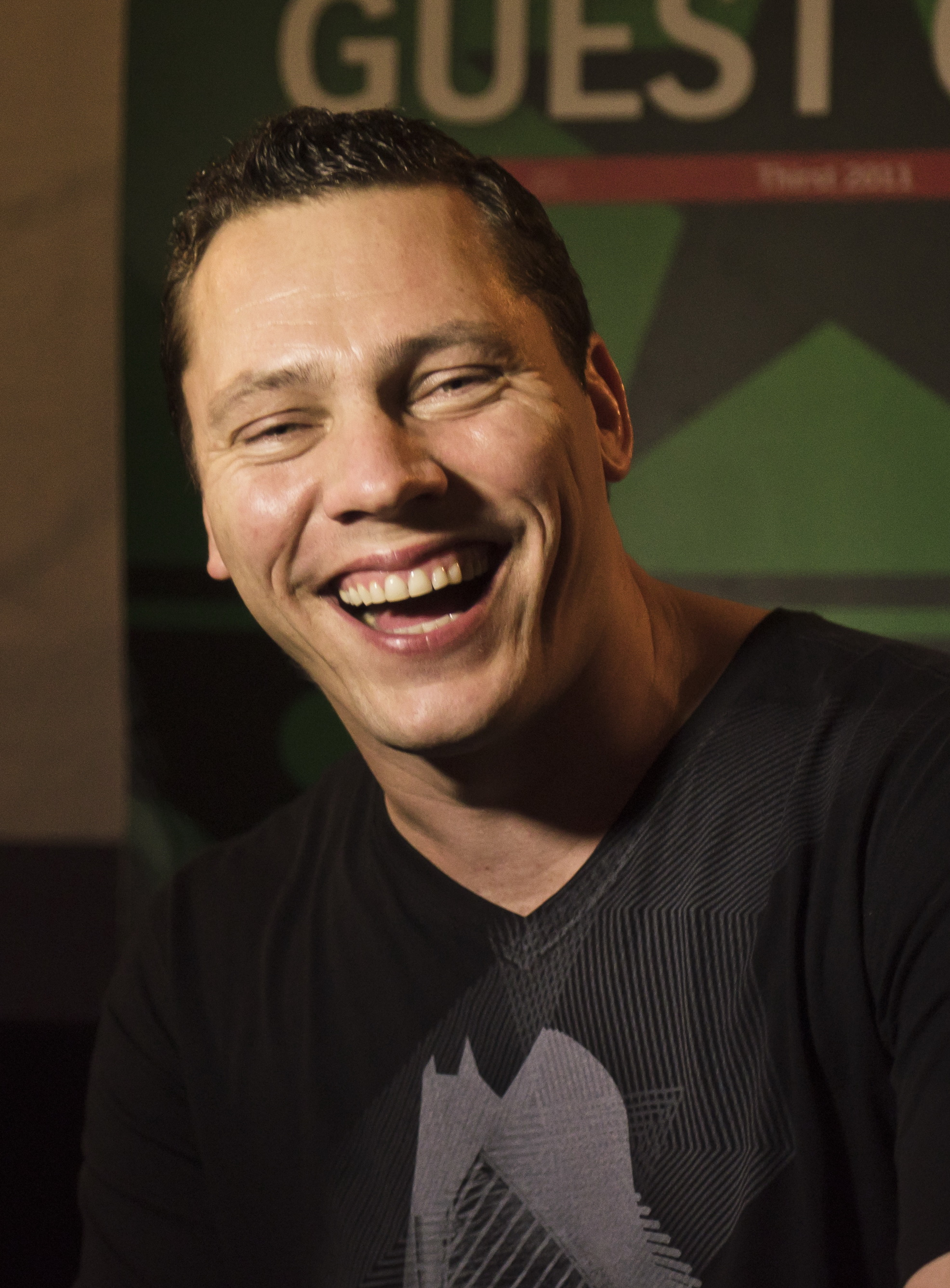 DJ Tiësto earned a unknown million dollar salary, leaving the net worth at 75 million in 2017