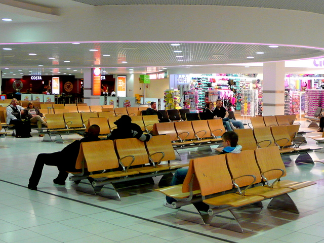 Airport seating - Wikipedia