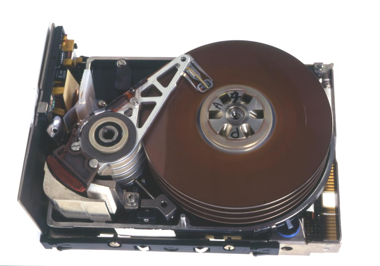 """personal computer Sistema PC XT IBM Author I.B.M. Italia (costruttore/ produttore/ progettista) Title disco fisso da 5,25"""", per personal computer Sistema"""