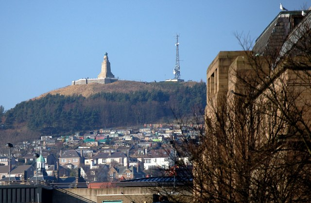 Dundee Law - geograph.org.uk - 713047