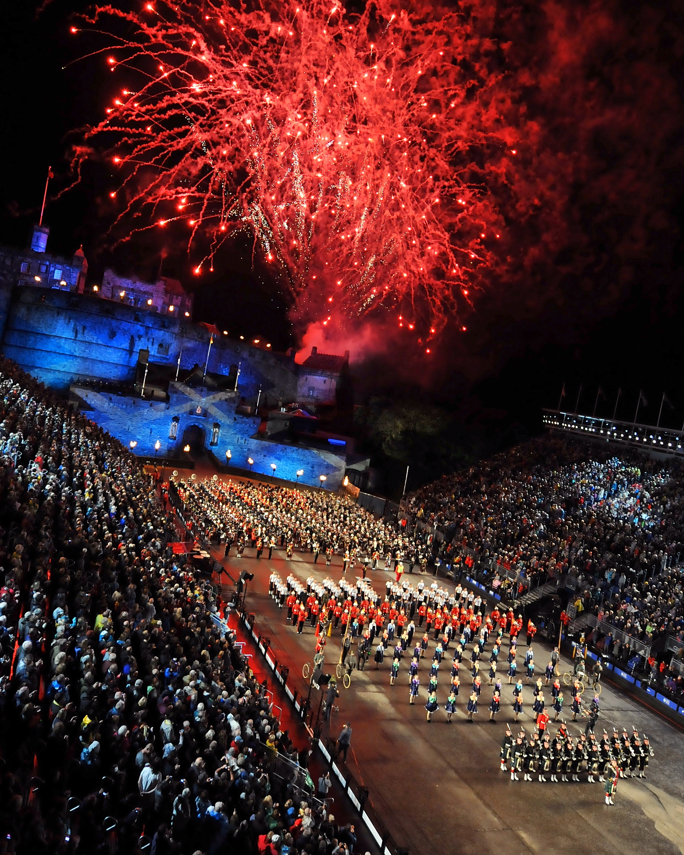 File fireworks over the 2011 royal edinburgh military for Royal edinburgh military tattoo