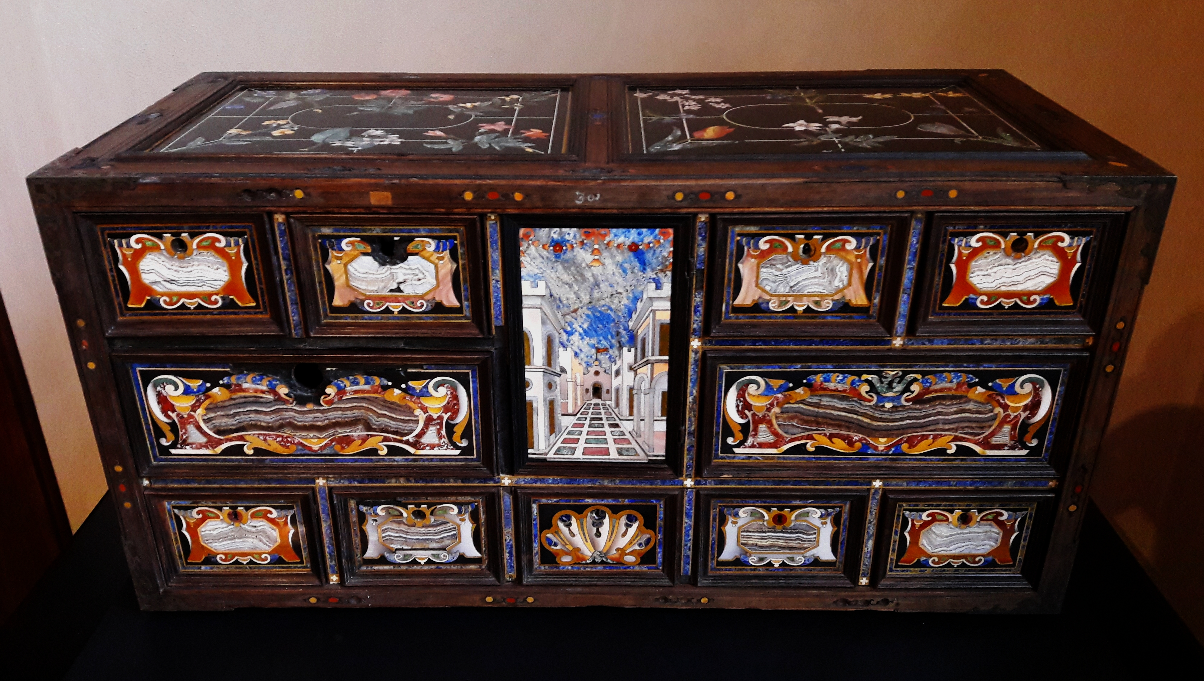 File:Florence Pietra Dura Cabinet With A Perspective