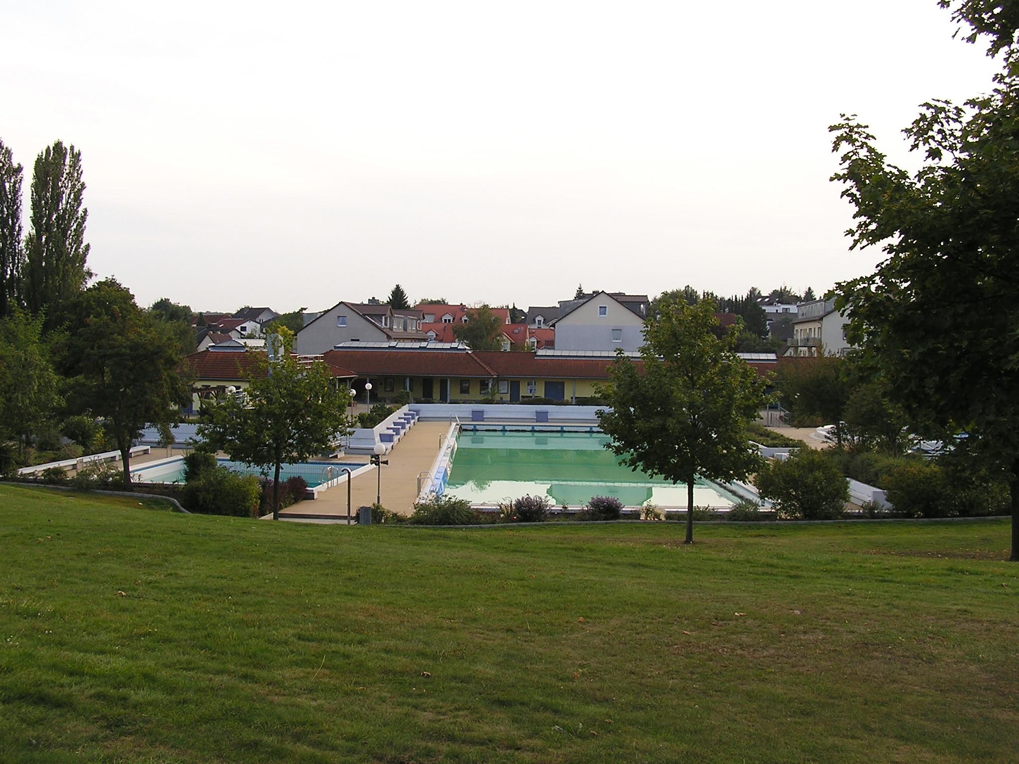freibad friedrichsdorf