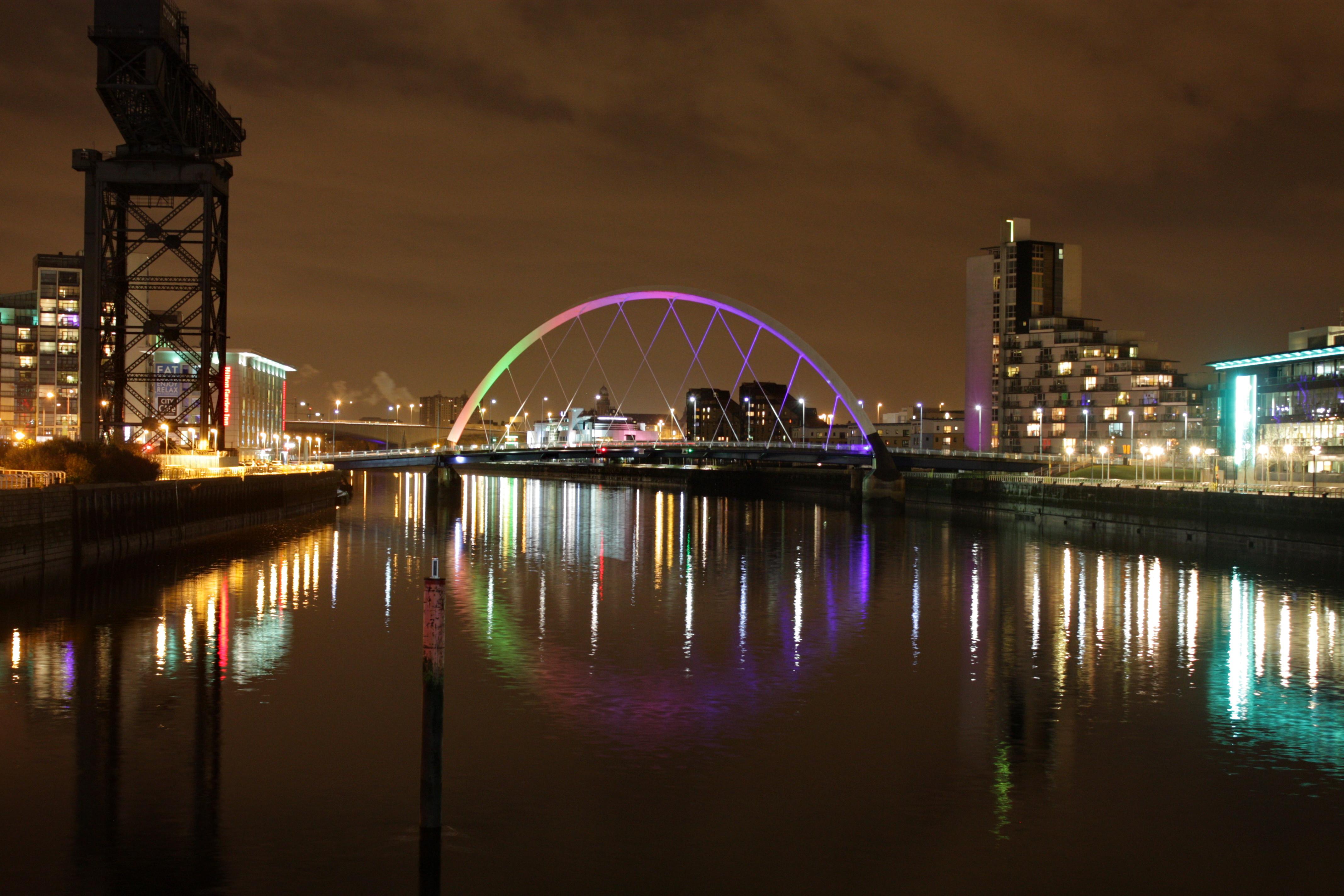 Glasgow - Under The Lights