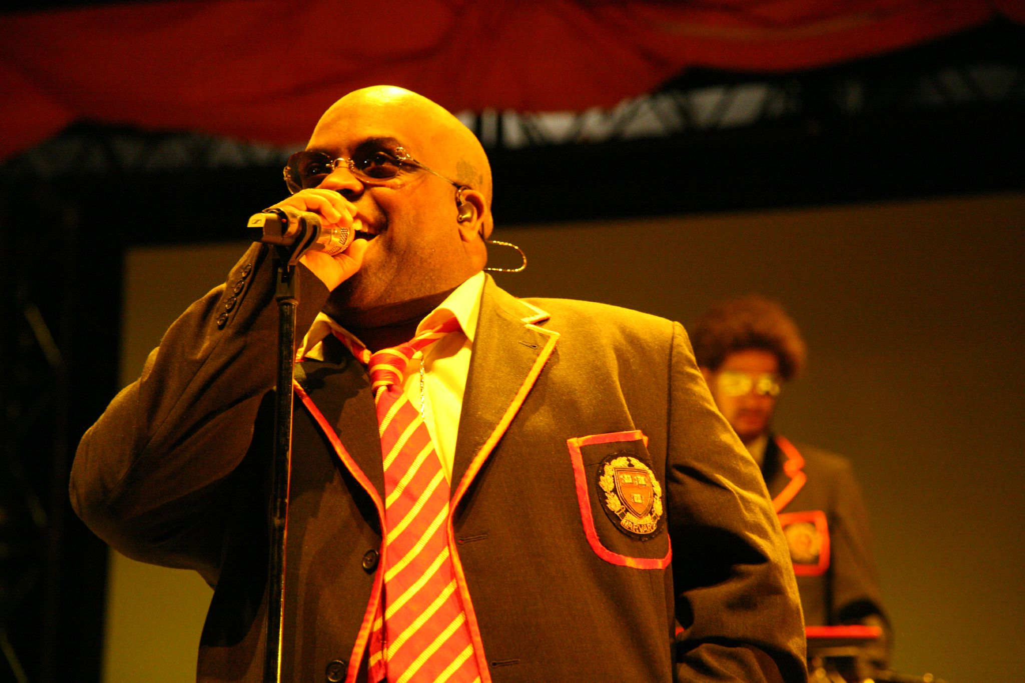 knarles barkley Gnarls barkley is an american soul duo, composed of singer-songwriter ceelo green and producer danger mouse they have released two studio albums, st elsewh.