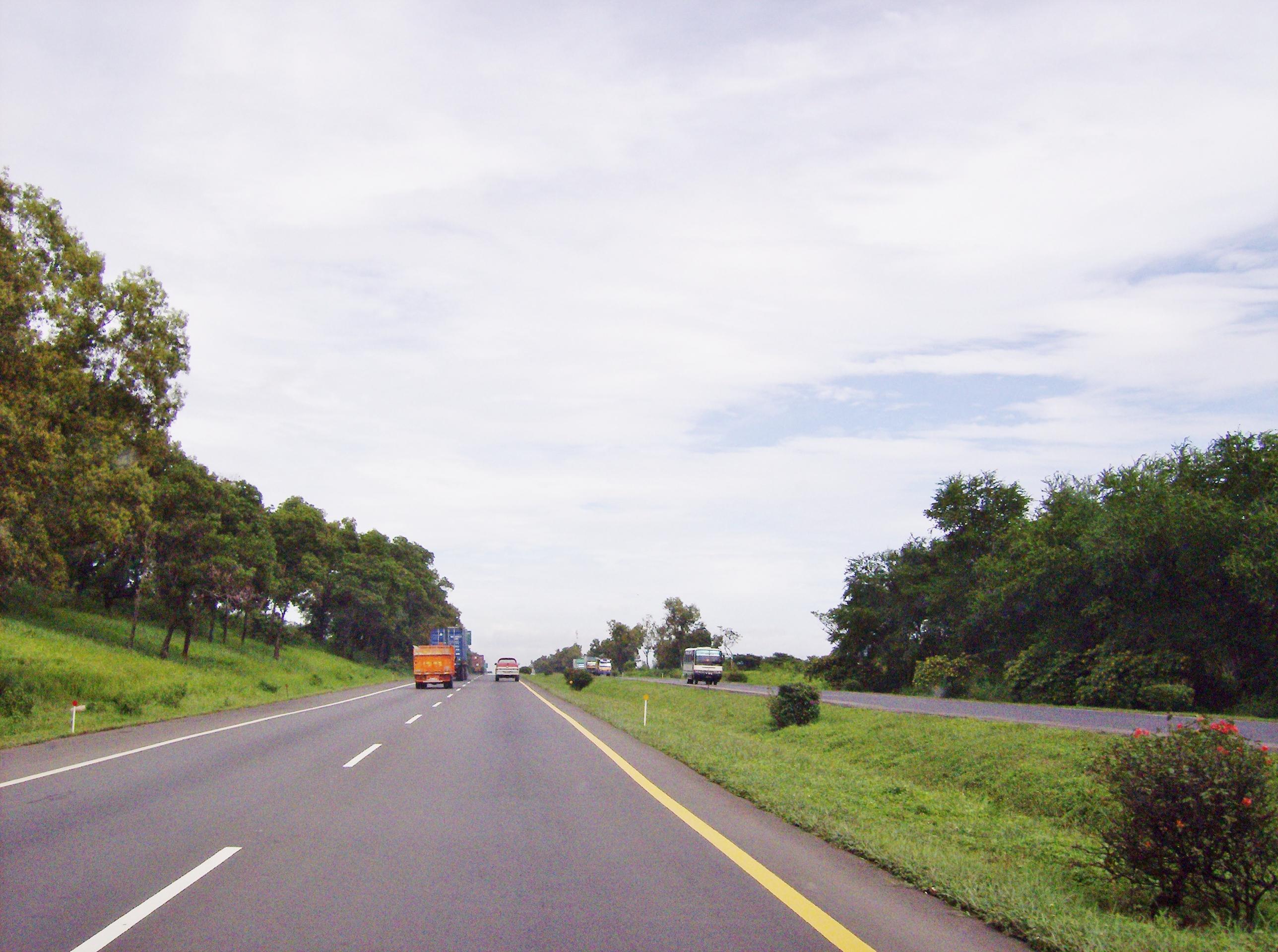 File:Jalan Tol Cikampek-Jakarta.jpg - Wikimedia Commons