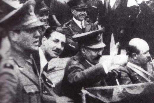 El Clarin (Diario De Argentina) Juan_Per%C3%B3n_con_jos%C3%A9_Uriburu_-_Golpe_de_estado_de_1930