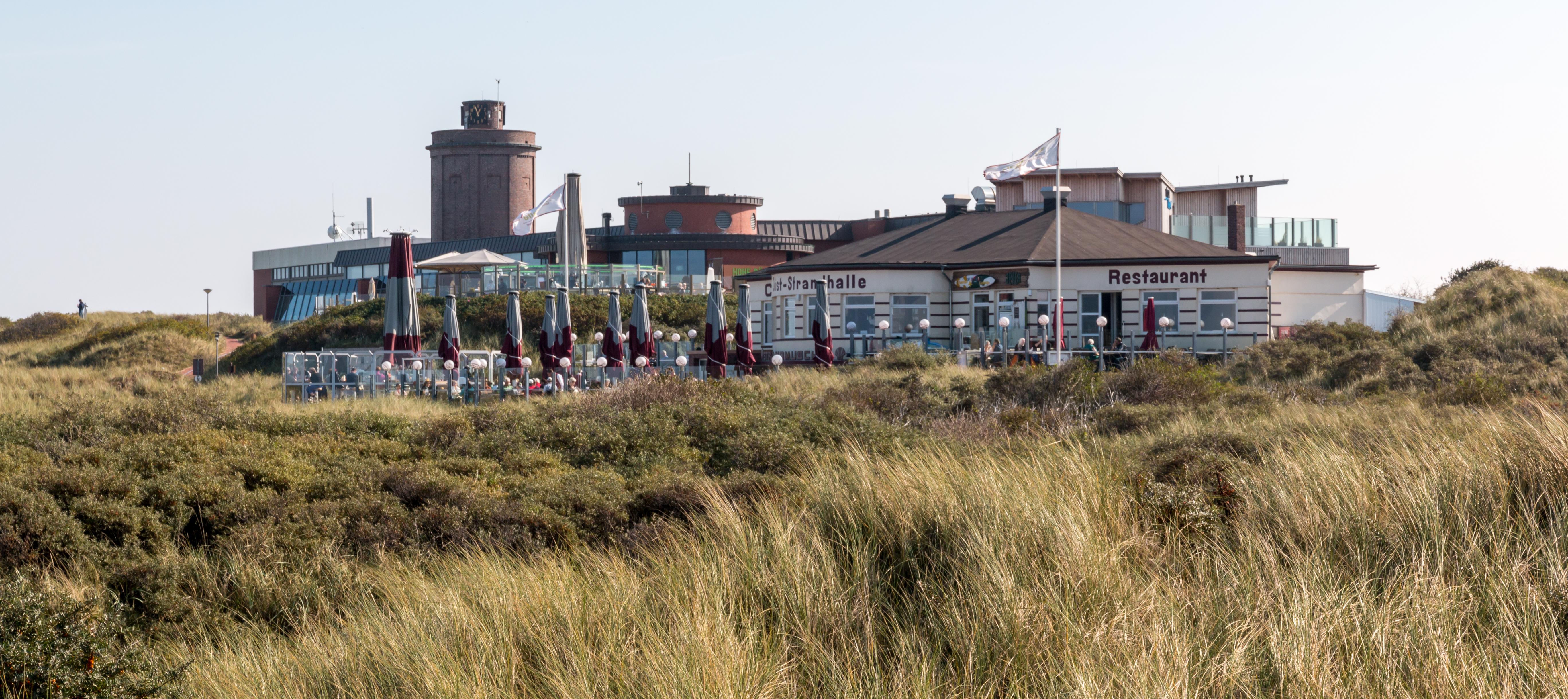 Datei:Juist, Meerwassererlebnisbad und Haus des Kurgastes -- 2014 ...
