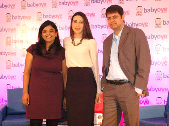 File:Karisma Kapoor at Babyoye.com online store for baby products 02.jpg