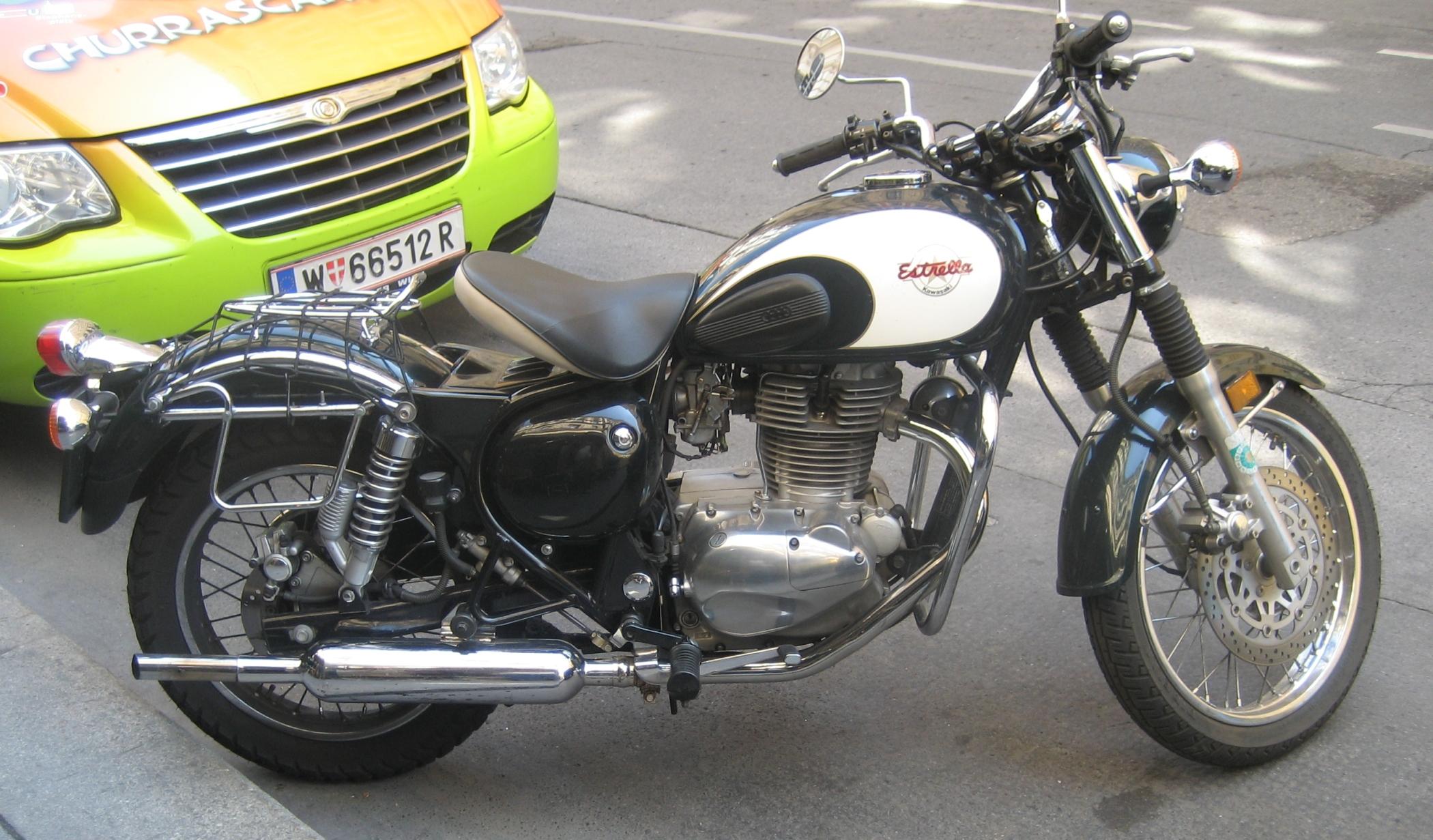 Kawasaki-Estrella-01.jpg