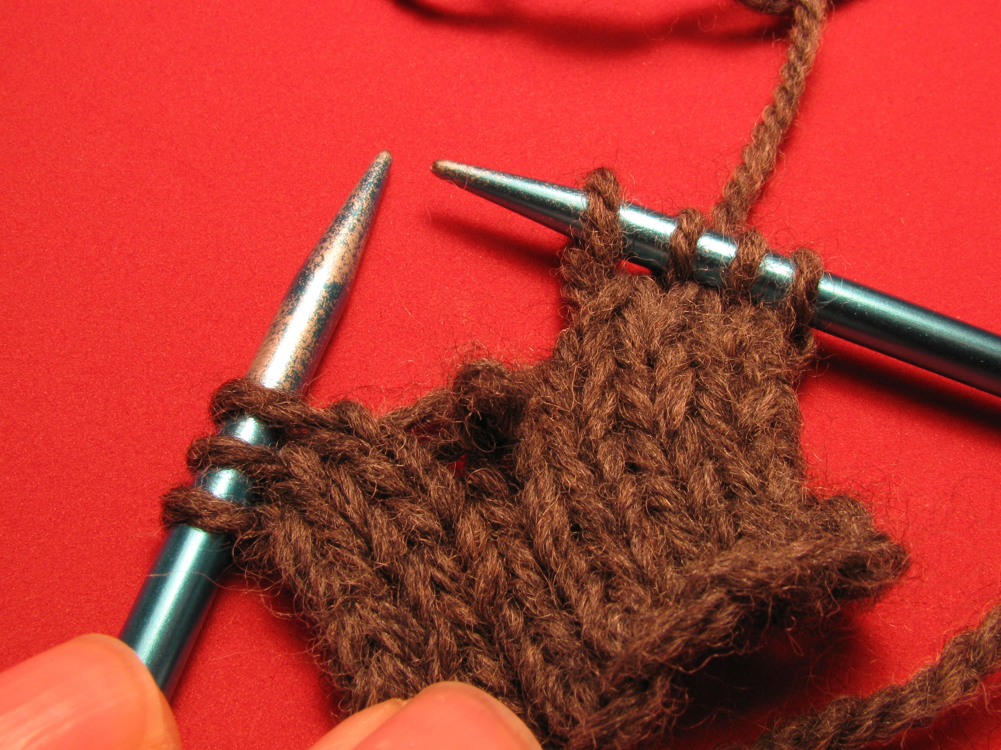File:Knitting dropped stitch 1.jpg - Wikimedia Commons
